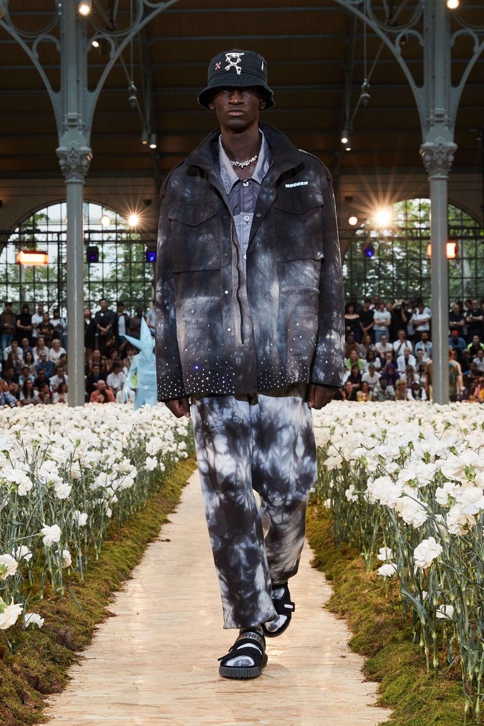 Runway Off White c/o Virgil Abloh Spring Summer 2020 Men's Collection Paris Fashion Week
