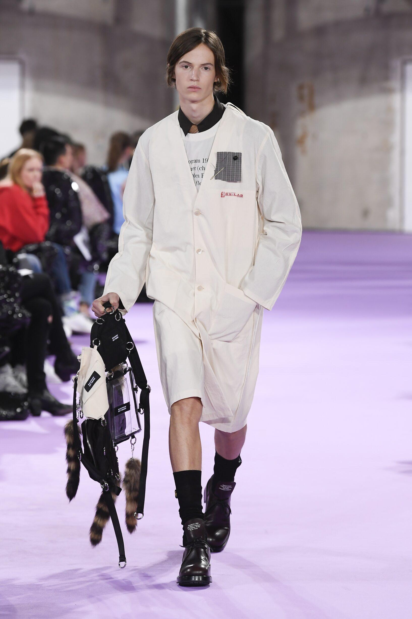 Runway Raf Simons Spring Summer 2020 Men's Collection Paris Fashion Week