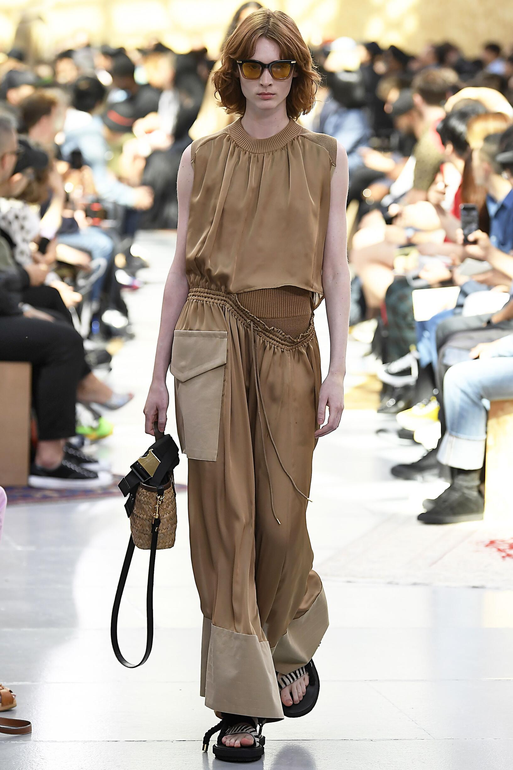 Runway Sacai Pre Spring 2020 Women Collection Paris Fashion Week