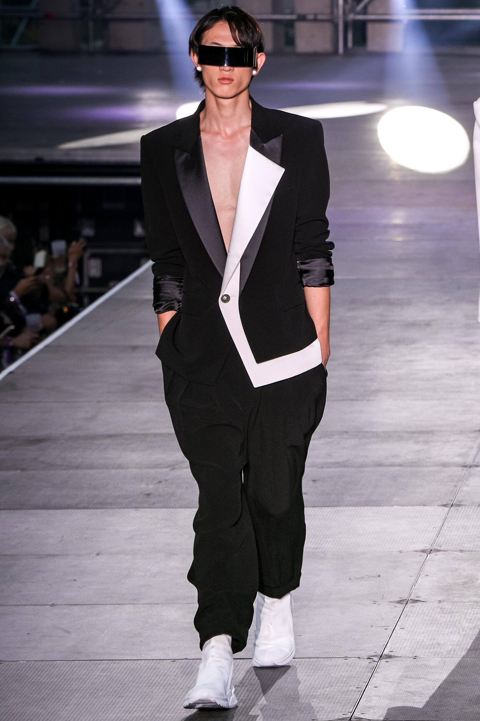 SS 2020 Balmain Show Paris Fashion Menswear