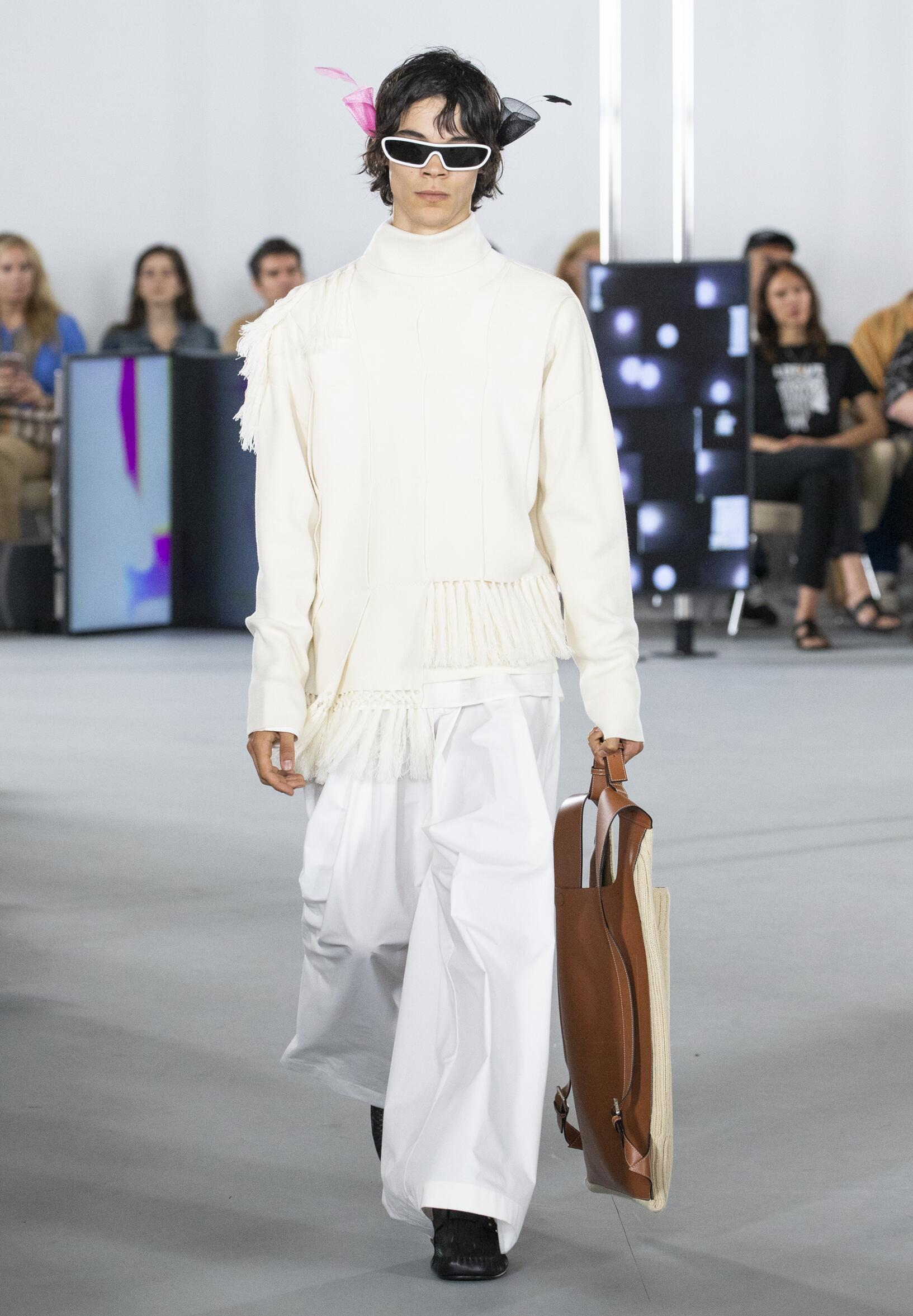 SS 2020 Loewe Fashion Show