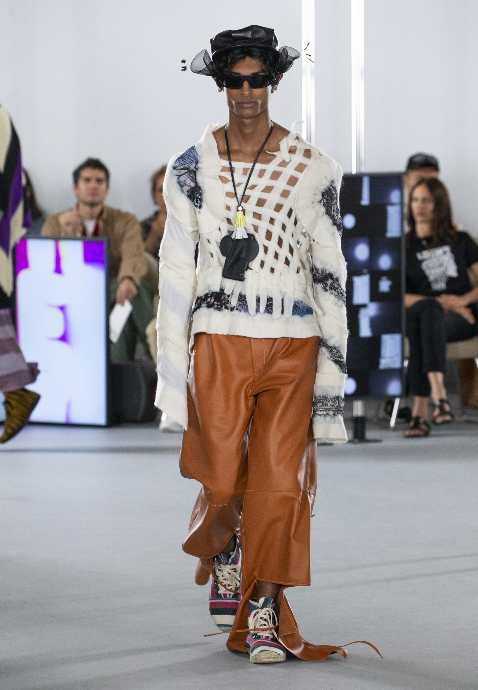 Spring Summer 2020 Man Paris Loewe Collection