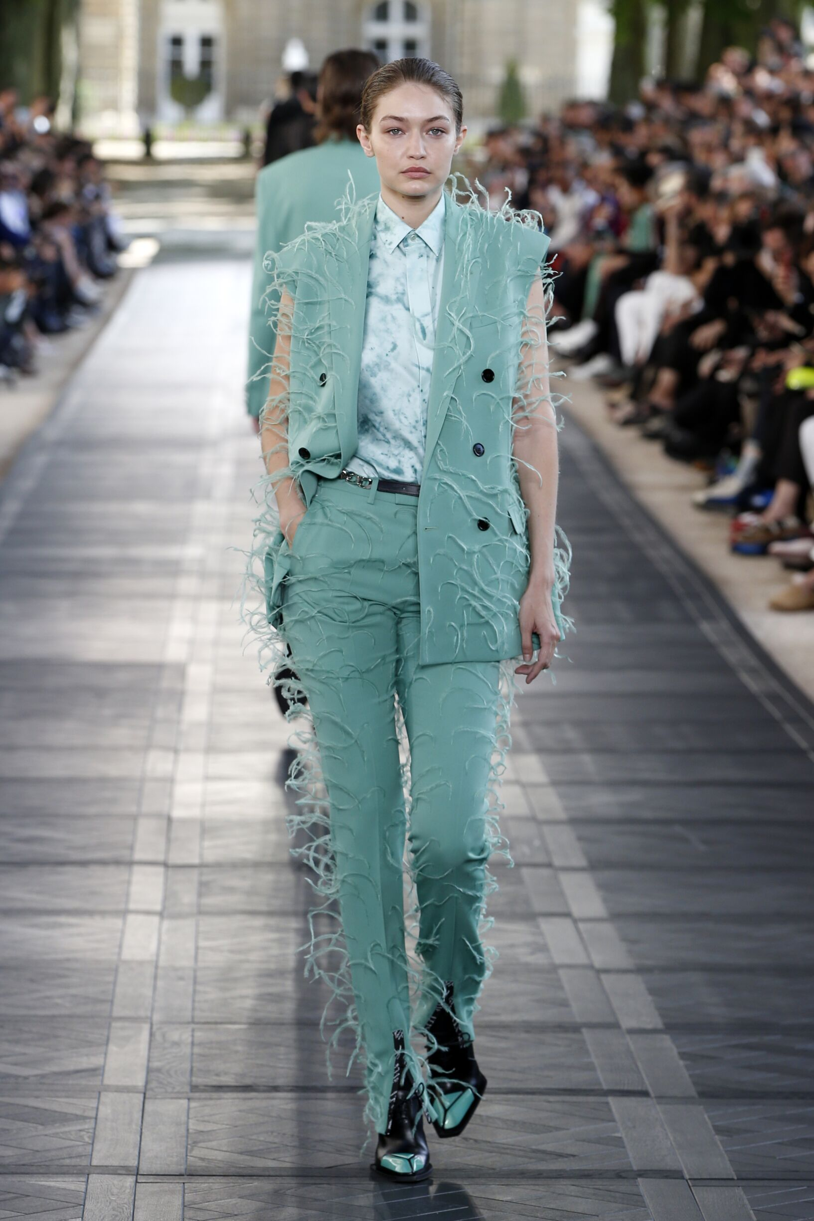 Woman SS 2020 Berluti Show Paris Fashion Week