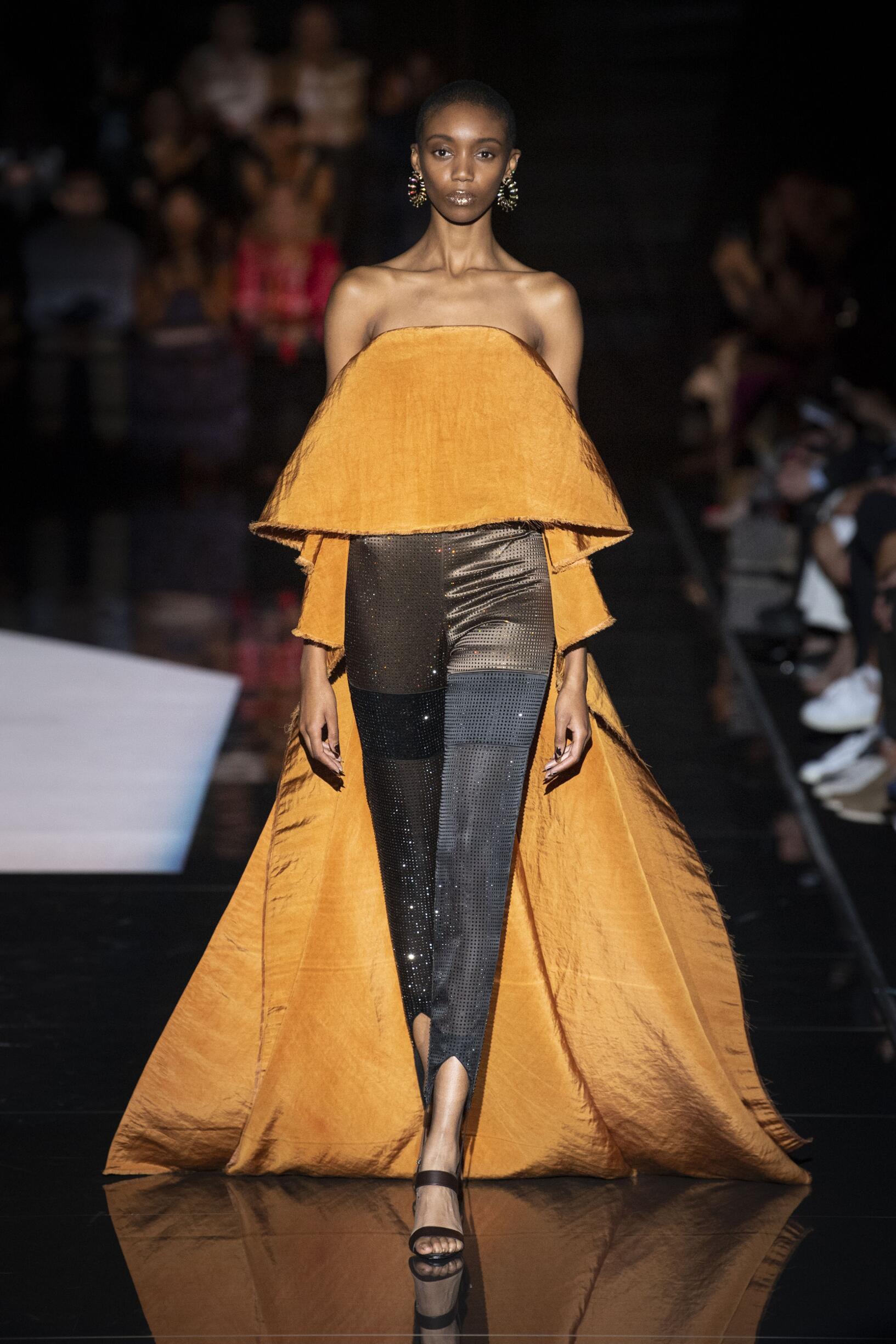 FW 2019-20 Fashion Show Schiaparelli Haute Couture