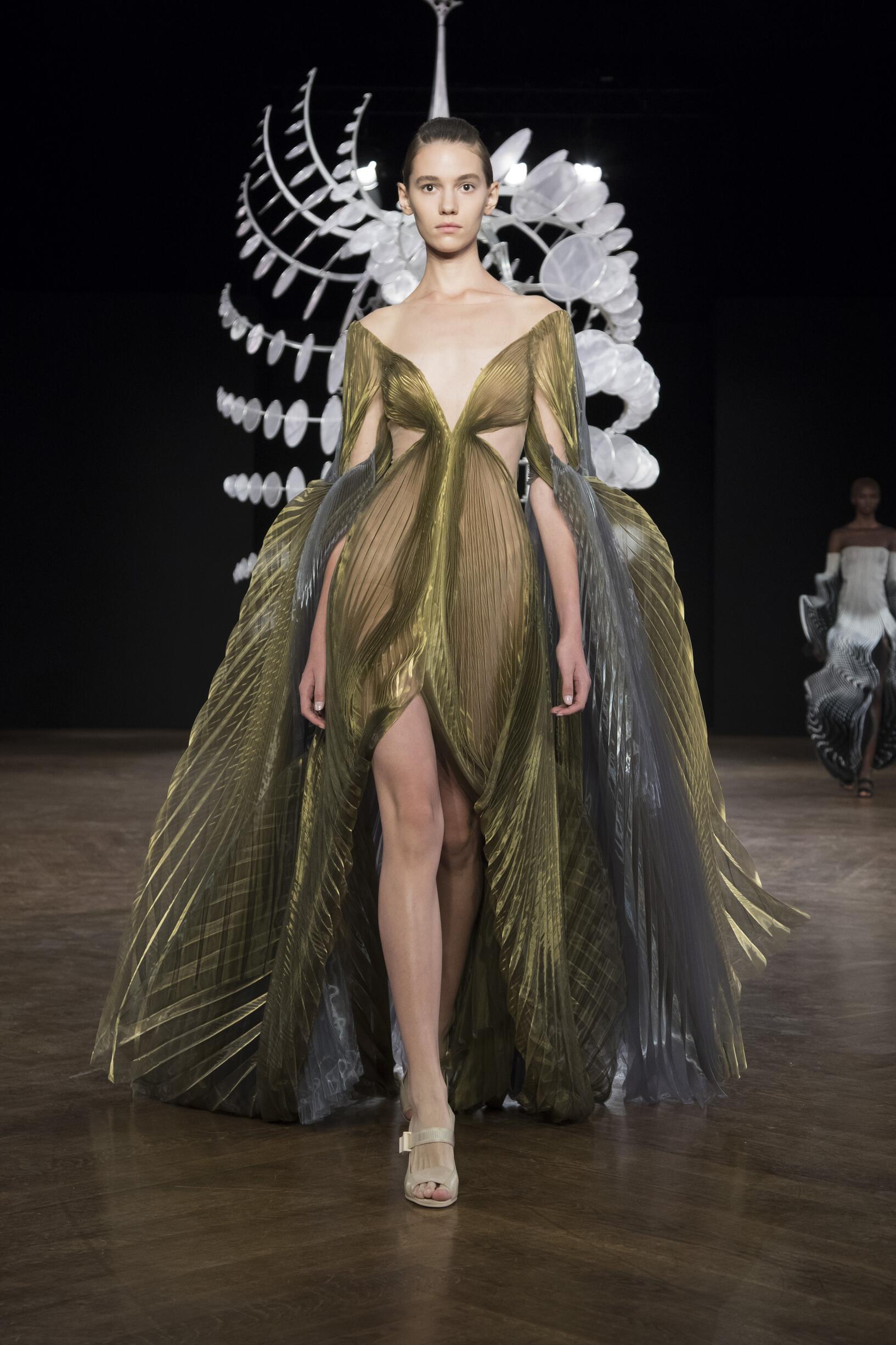 Fall 2019 Fashion Trends Iris van Herpen Haute Couture