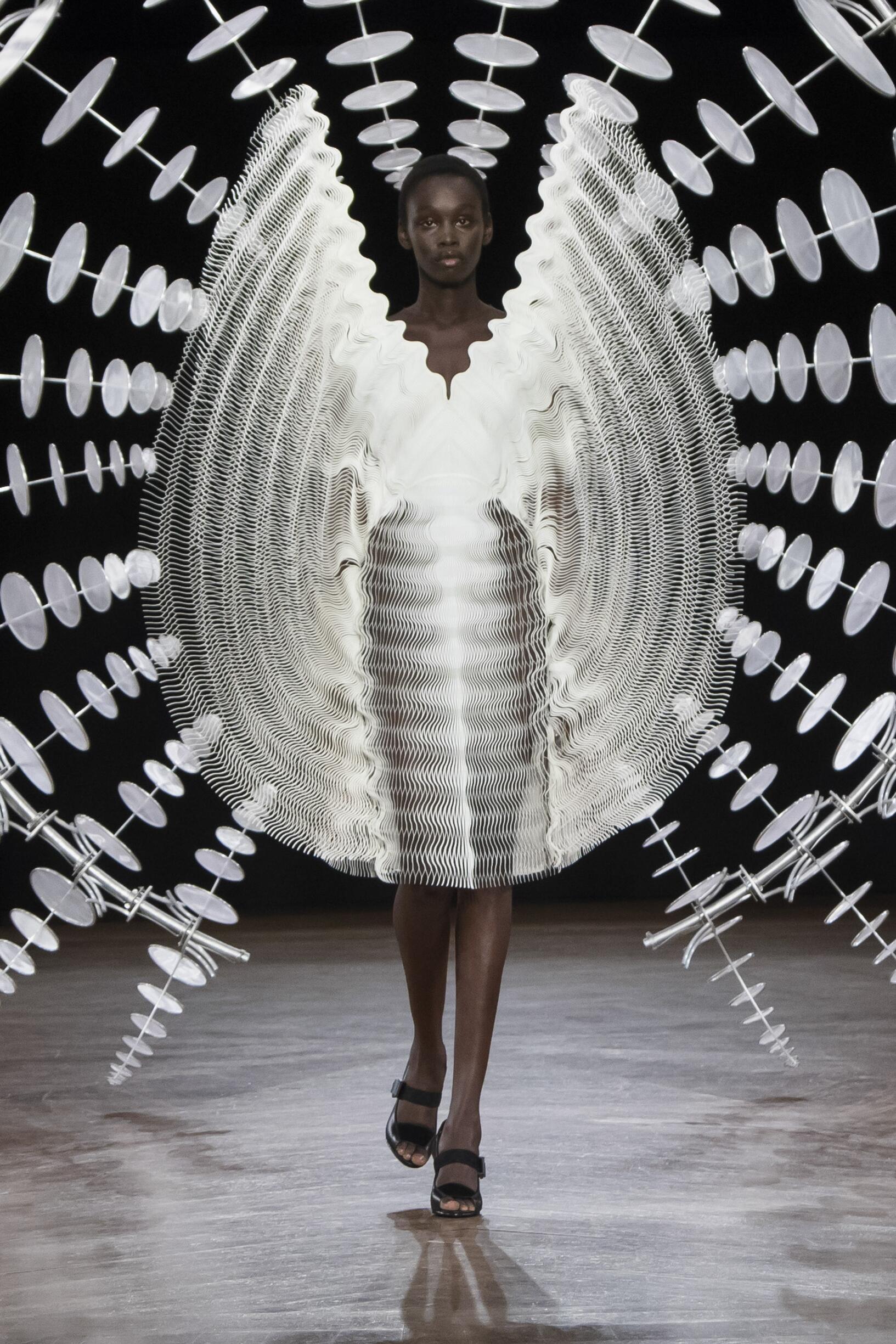 Fashion Show Woman Model Iris van Herpen Haute Couture Catwalk
