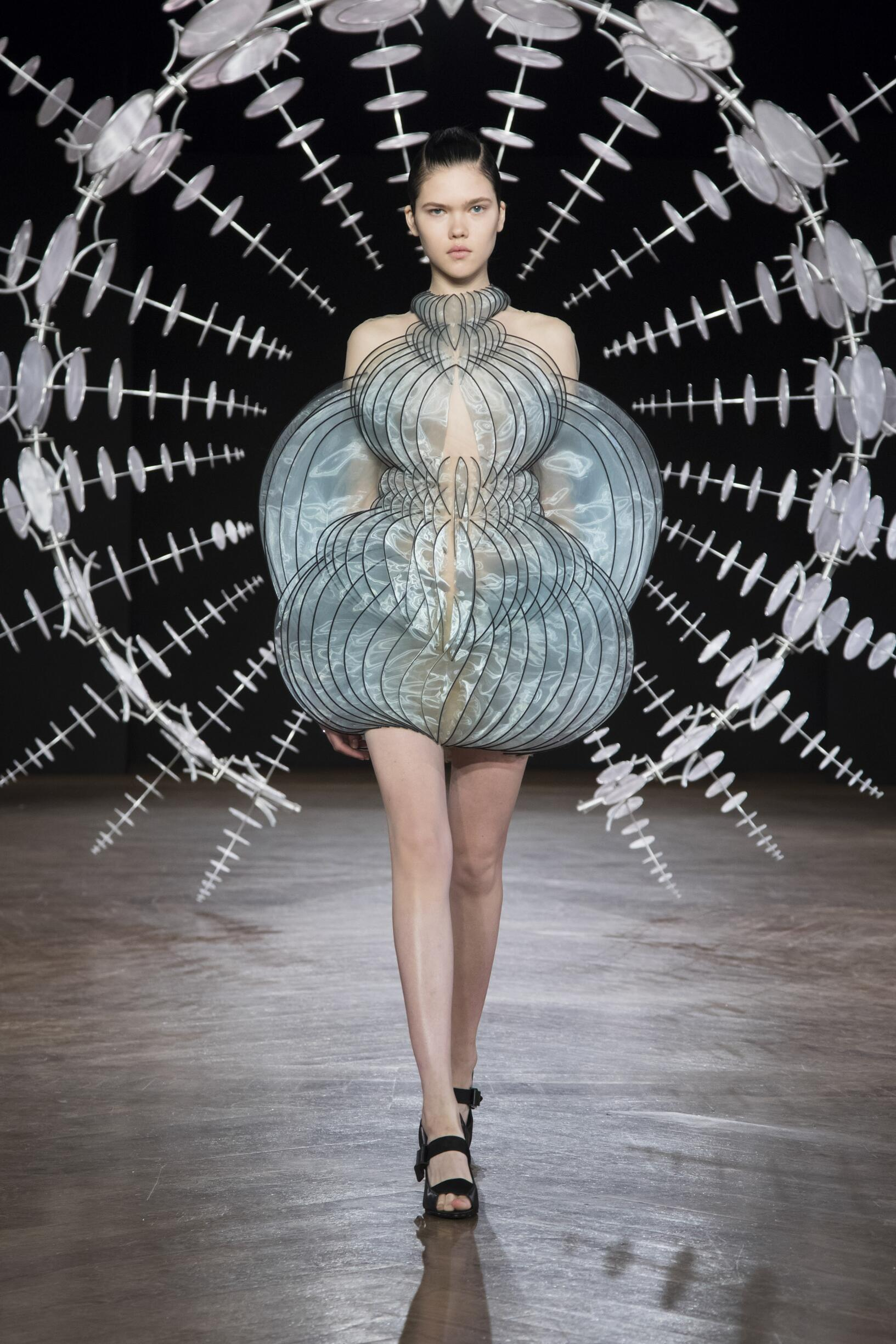 Iris van Herpen Haute Couture Fashion Show FW 2019-2020