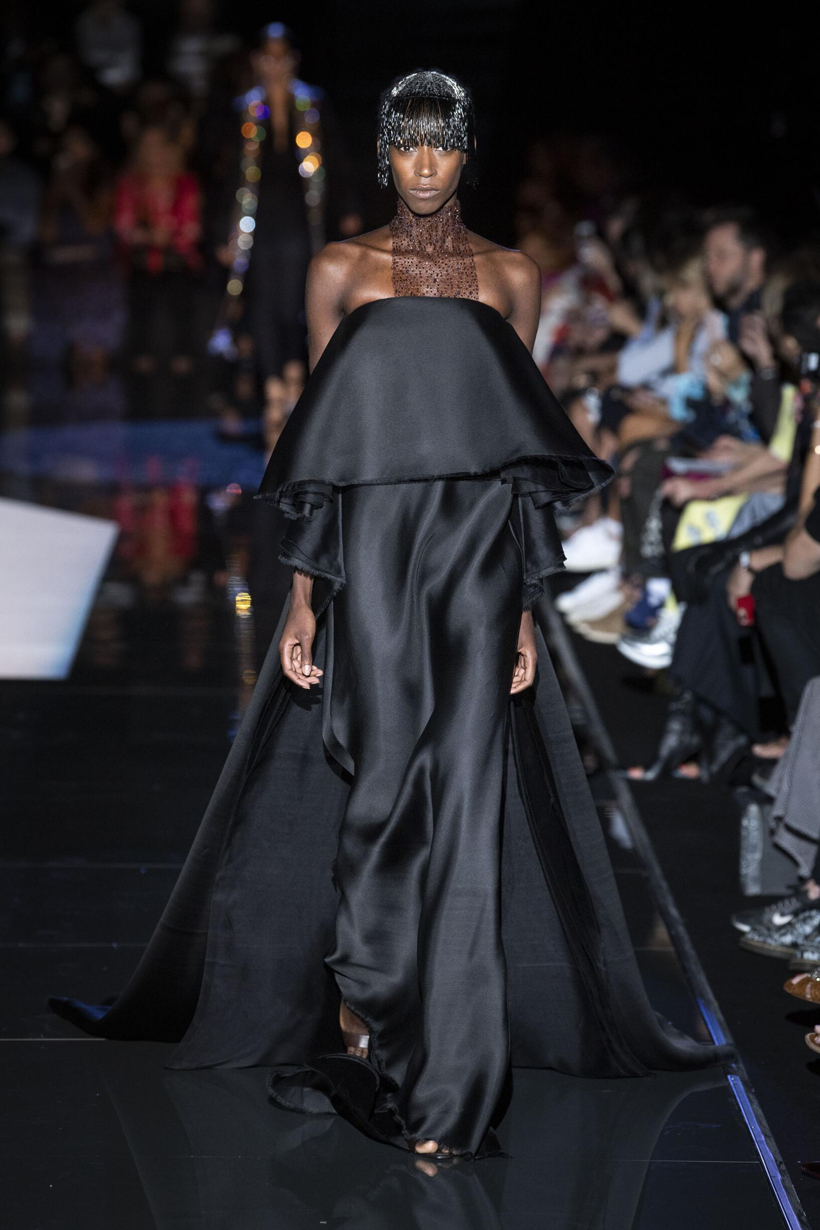 Runway Schiaparelli Haute Couture Fall Winter 2019 Collection Paris