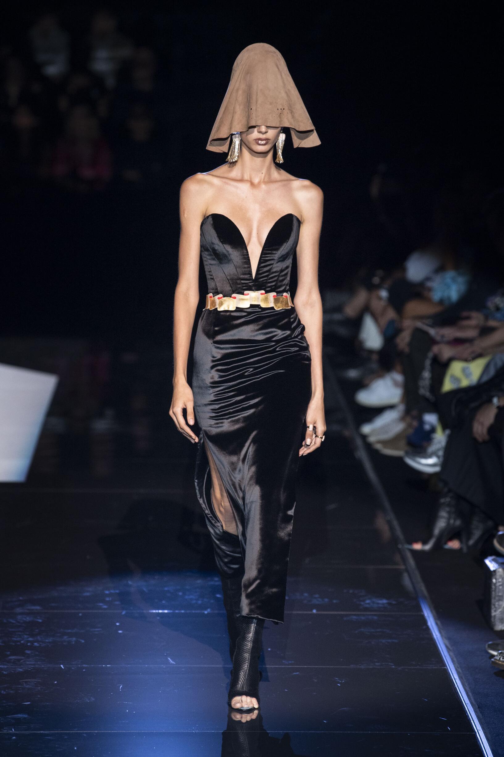 Schiaparelli Haute Couture FW 2019 Womenswear