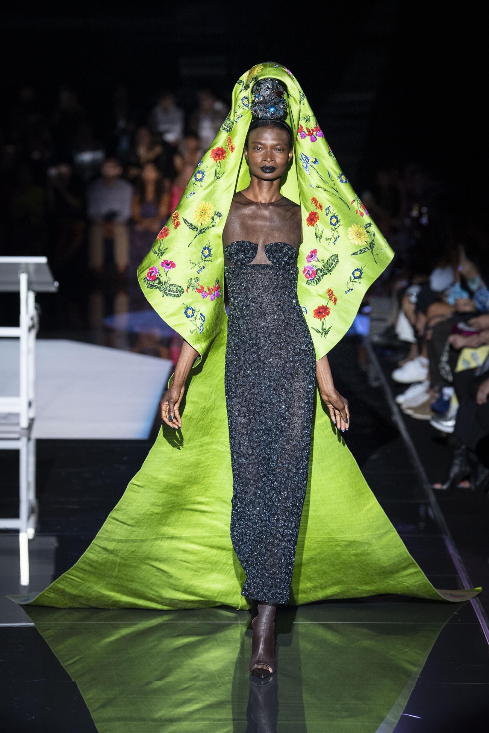 Schiaparelli Haute Couture Paris