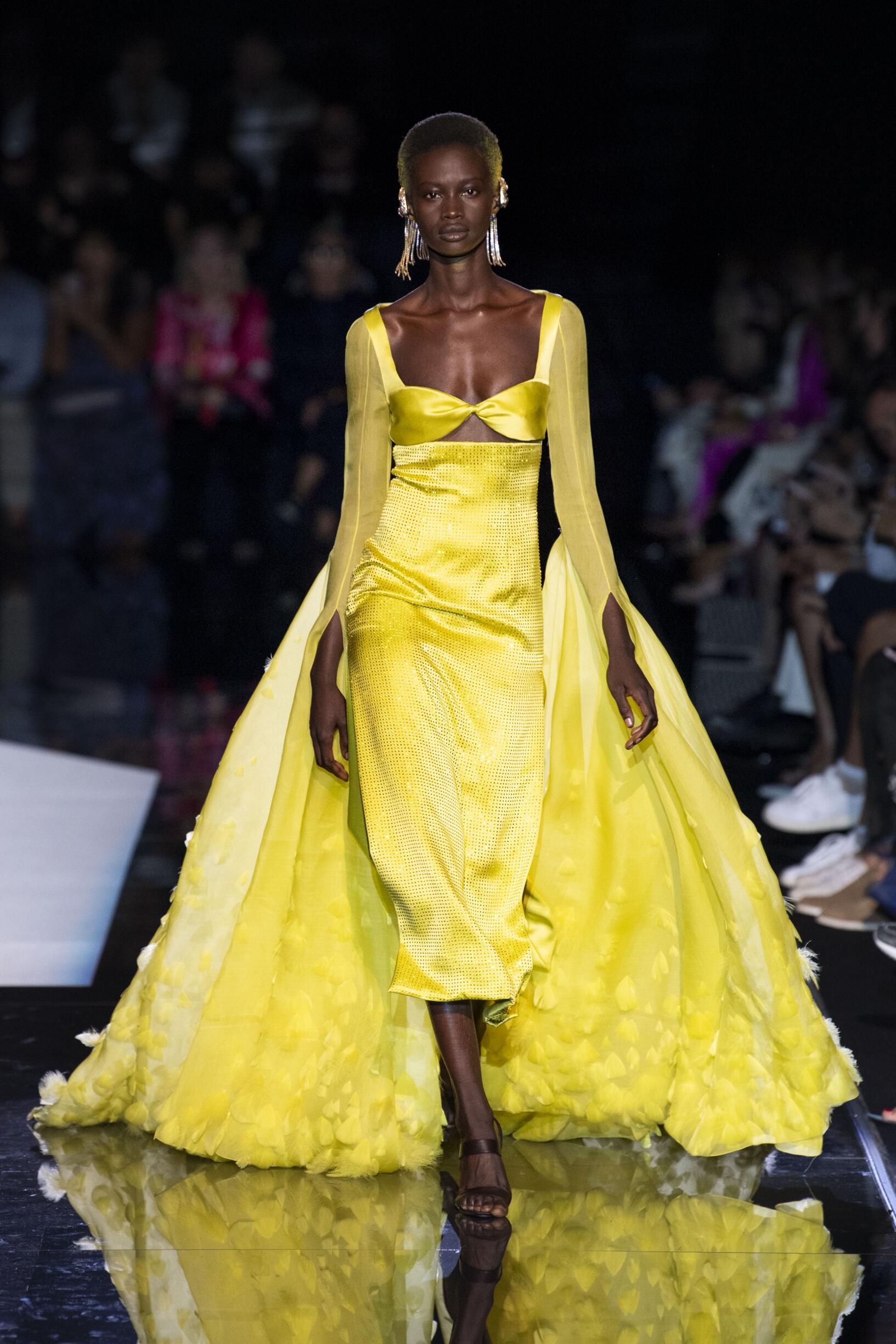 Schiaparelli Haute Couture Women Style