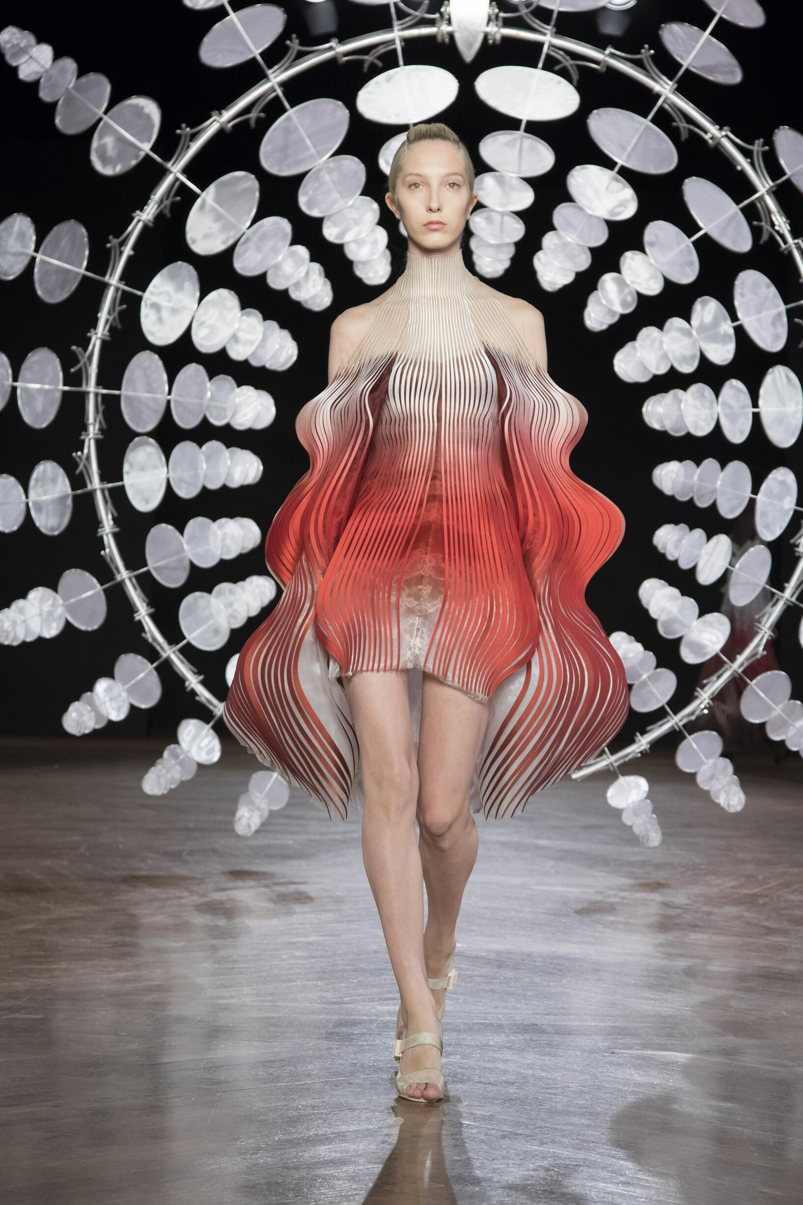 Winter 2019-20 Fashion Trends Iris van Herpen Haute Couture