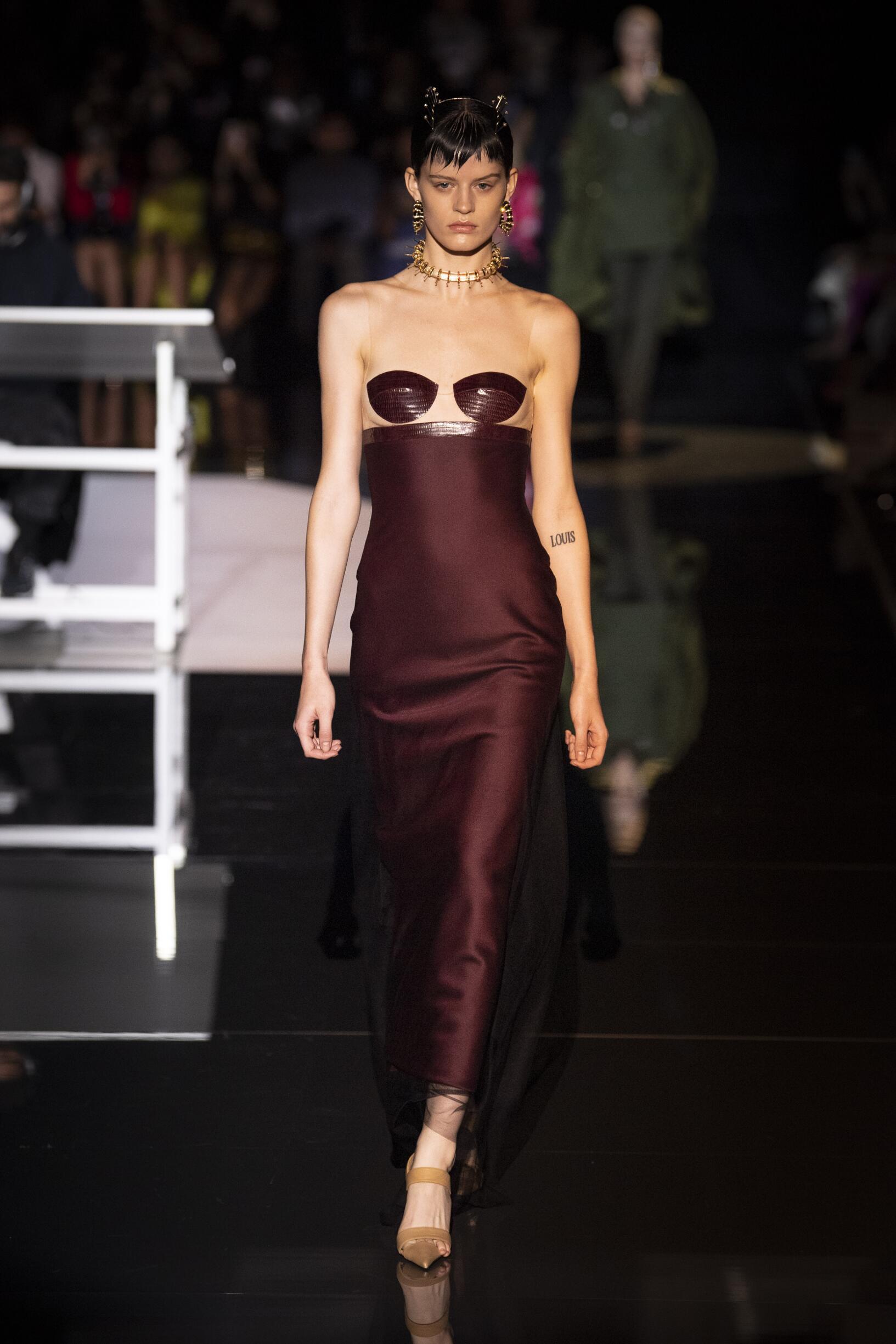 Winter 2019-20 Fashion Trends Schiaparelli Haute Couture