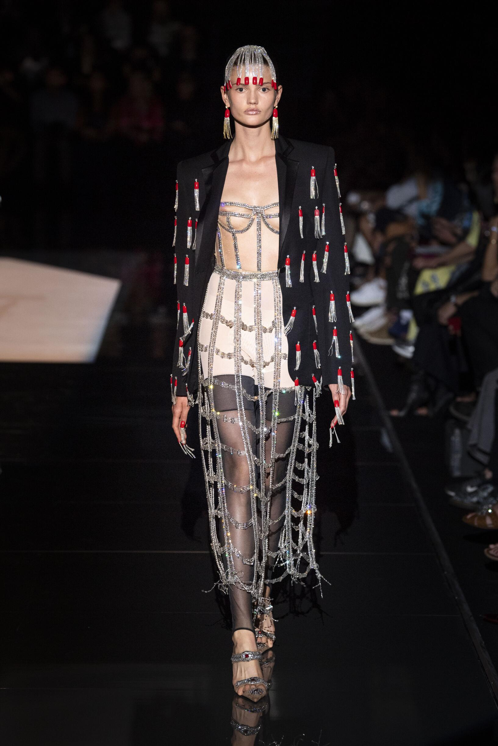 Winter 2019 Woman Trends Schiaparelli Haute Couture