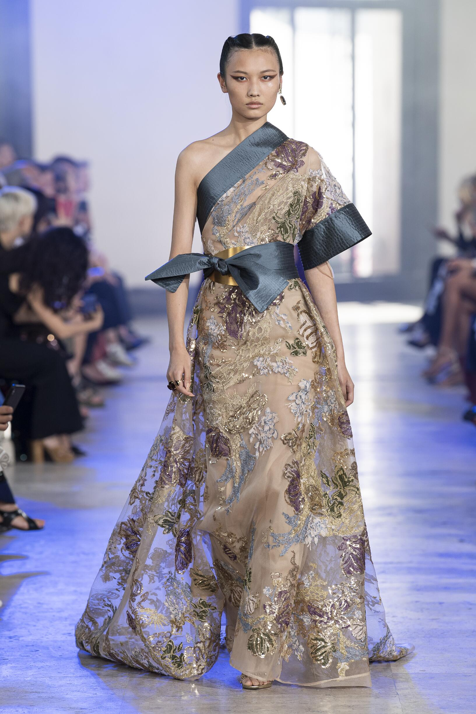 2019-20 Elie Saab Haute Couture Fall Winter Woman