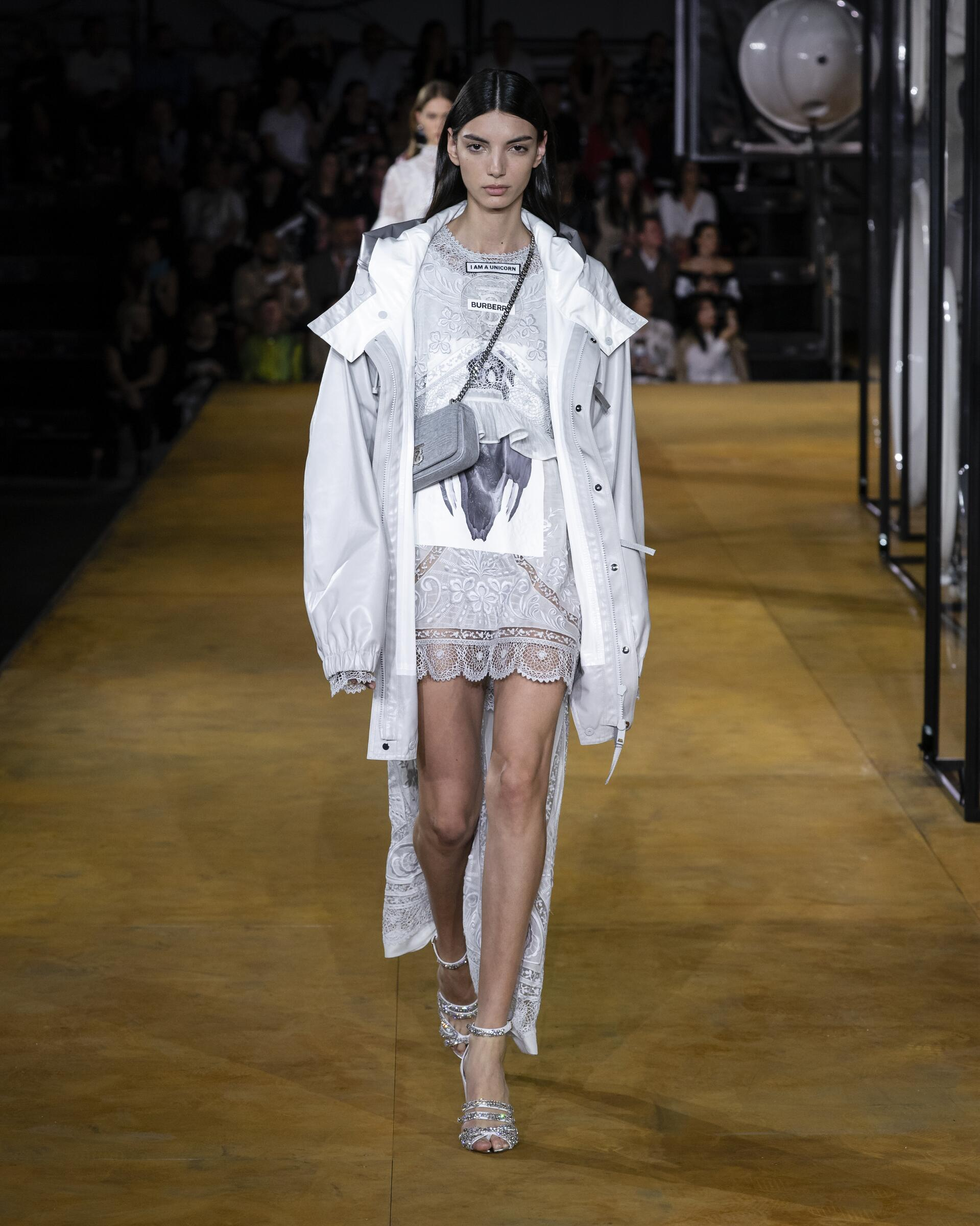 2020 Burberry Spring Summer Woman