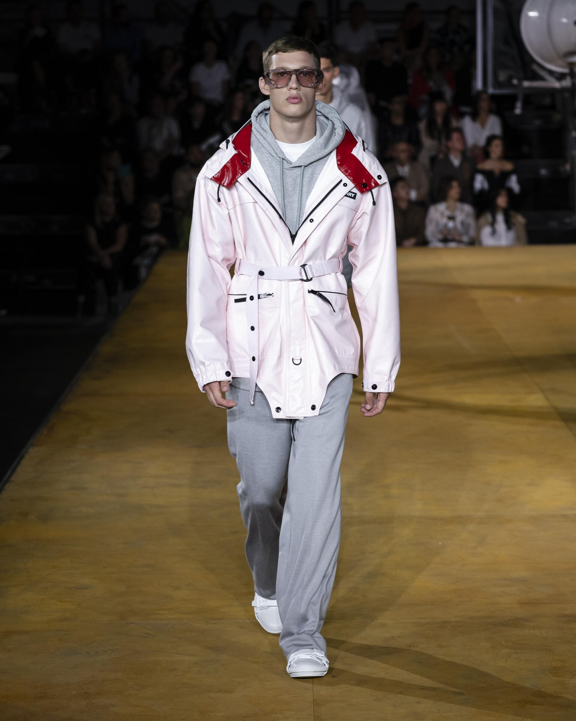 2020 Burberry Summer Catwalk