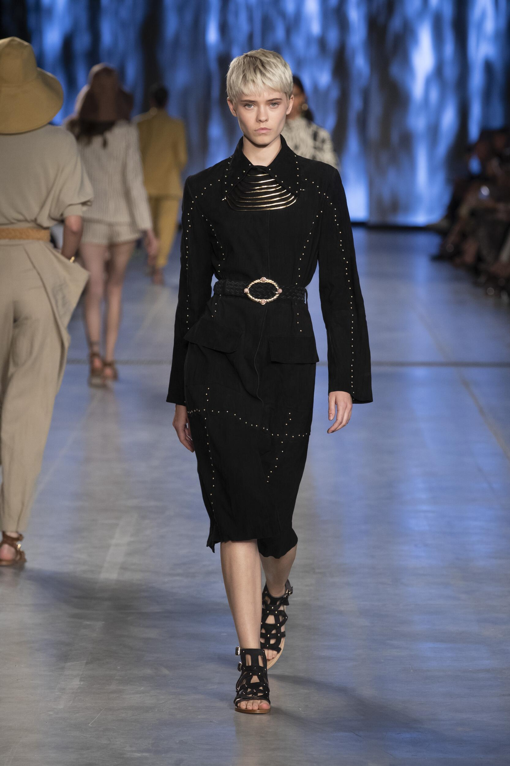 2020 Catwalk Alberta Ferretti Fashion Show Summer