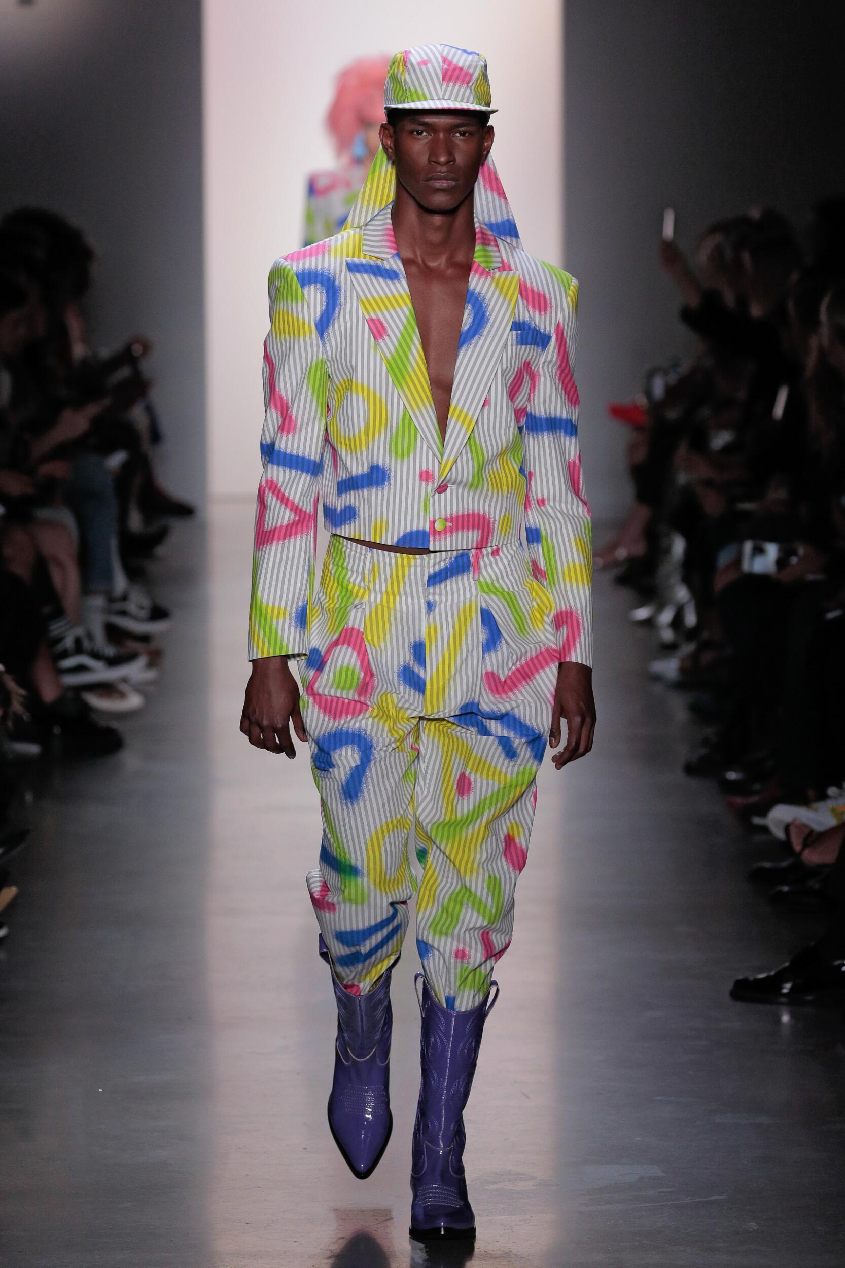 2020 Catwalk Jeremy Scott Summer