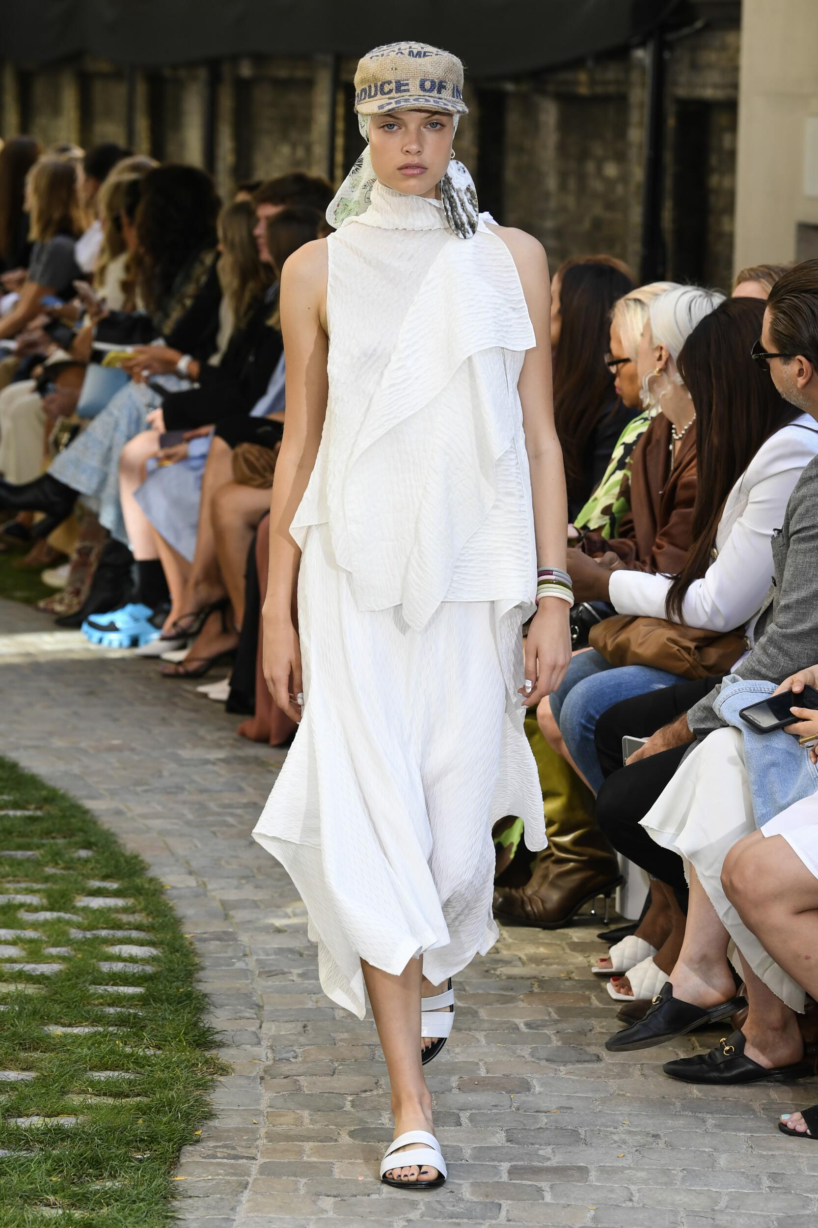 2020 Catwalk Roland Mouret Fashion Show Summer