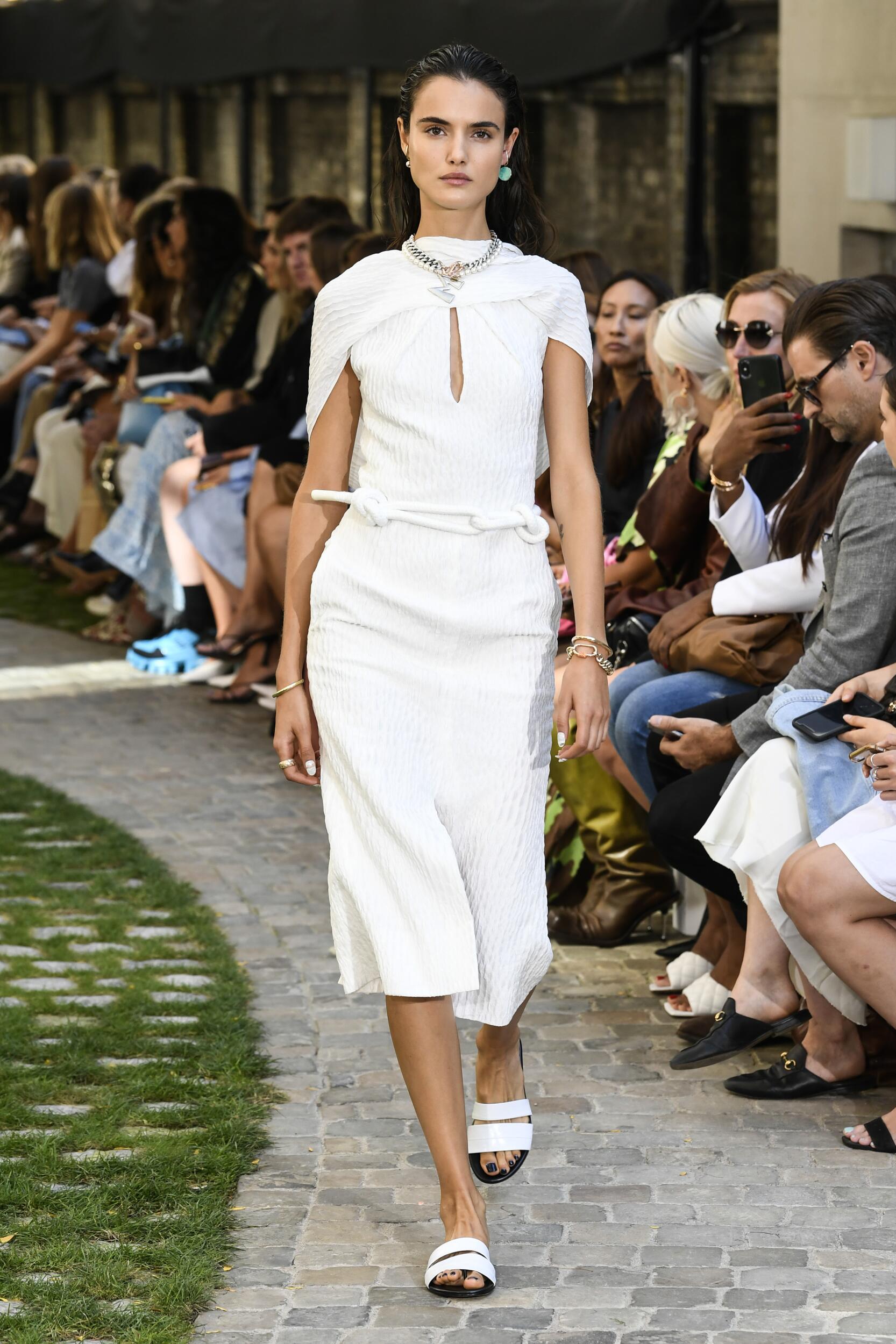 2020 Catwalk Roland Mouret Summer