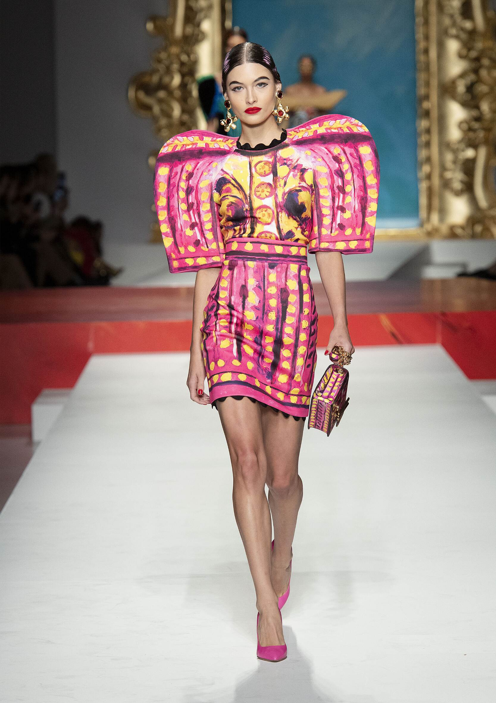 2020 Moschino Summer Catwalk