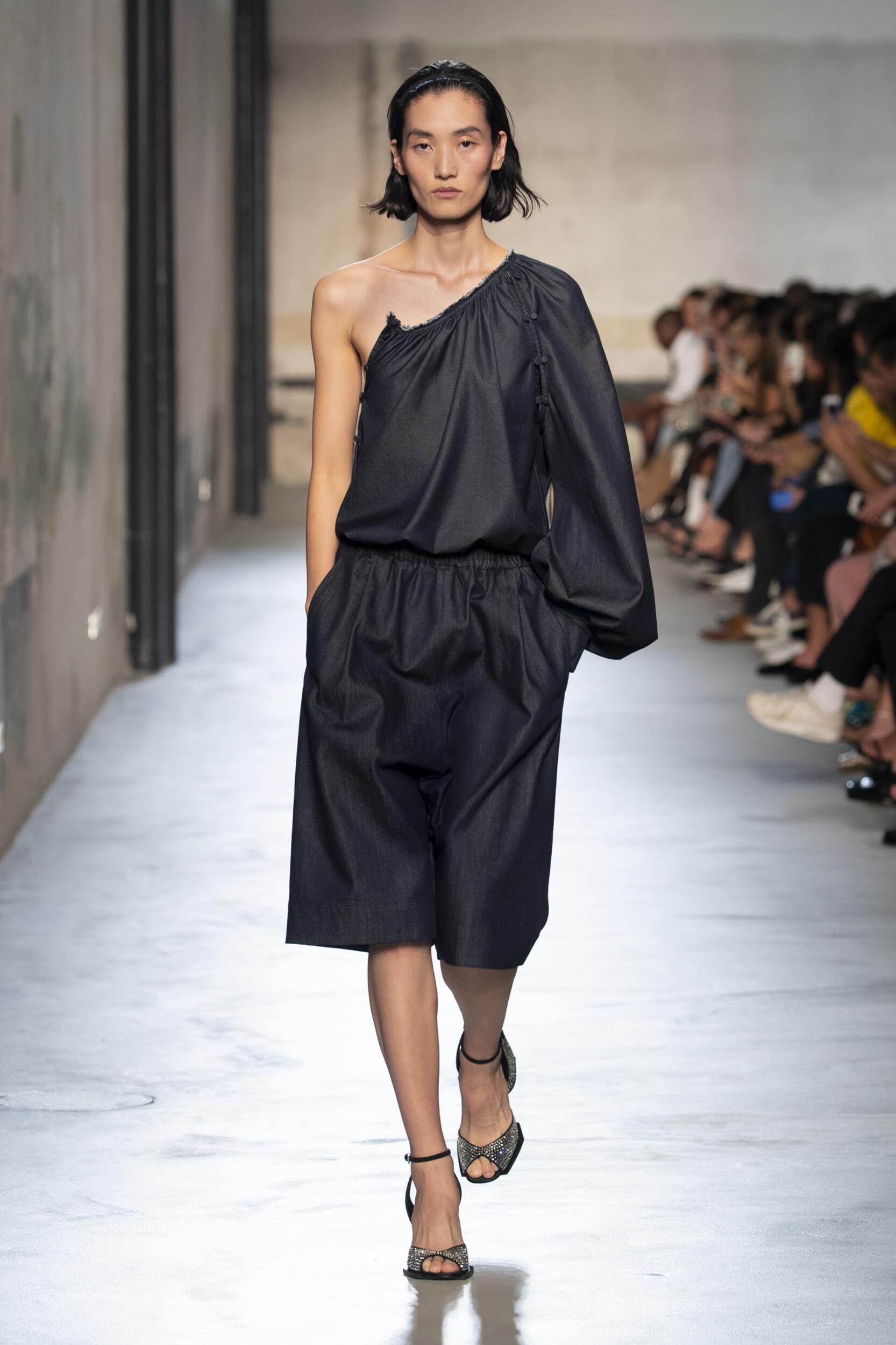 2020 Runway Woman N°21 Summer