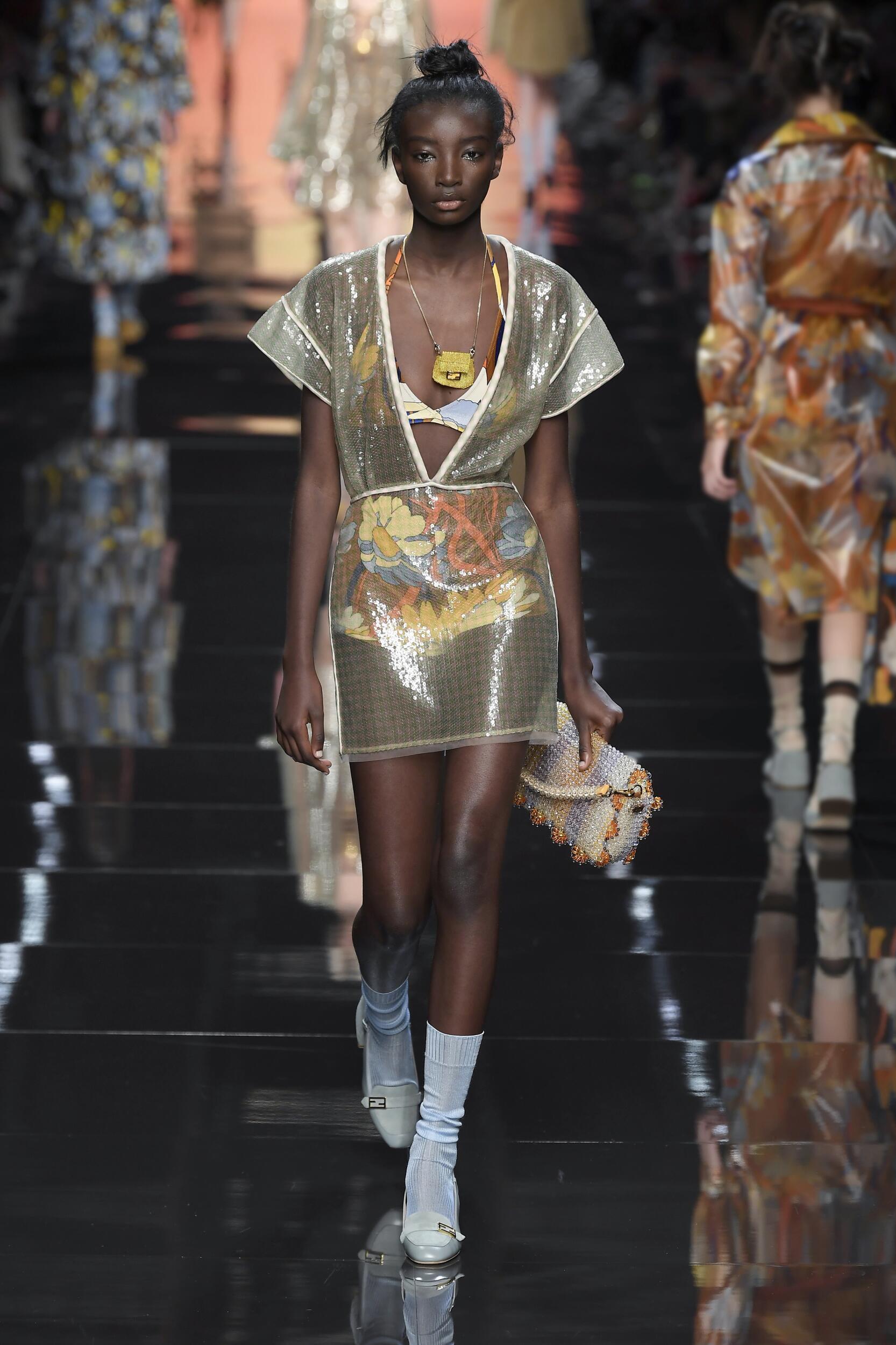 2020 Woman Style Fendi