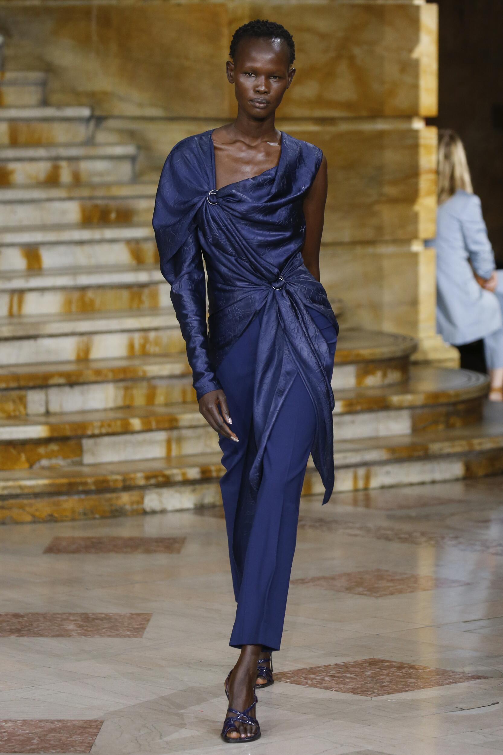 2020 Woman Style Sies Marjan
