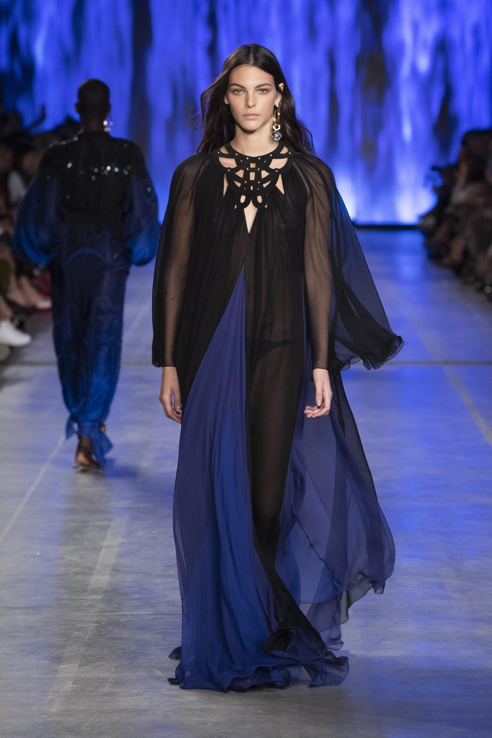 Alberta Ferretti Womenswear Collection Trends