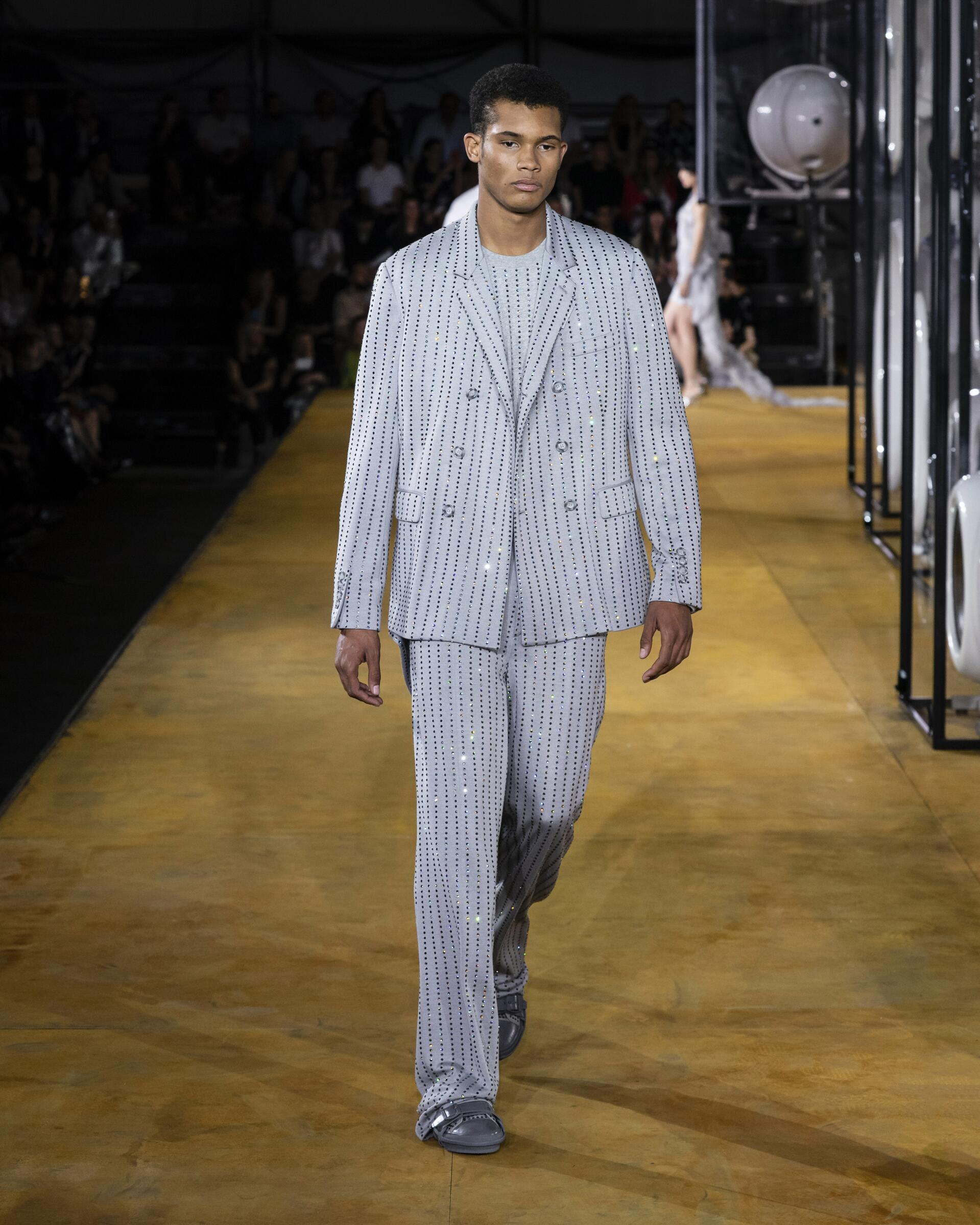 Burberry SS Man 2020 Catwalk