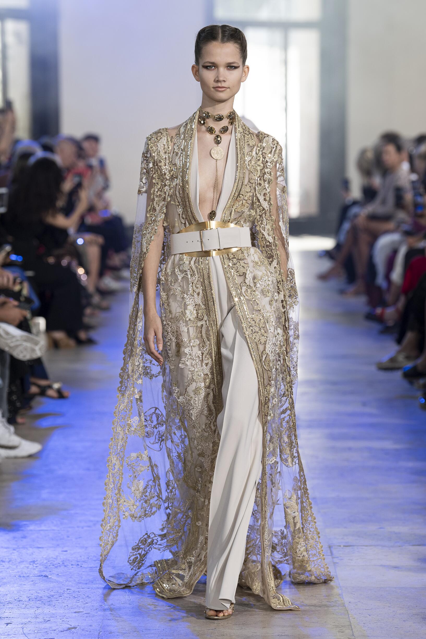 Catwalk Elie Saab Haute Couture Women Fashion Show Winter 2019-2020
