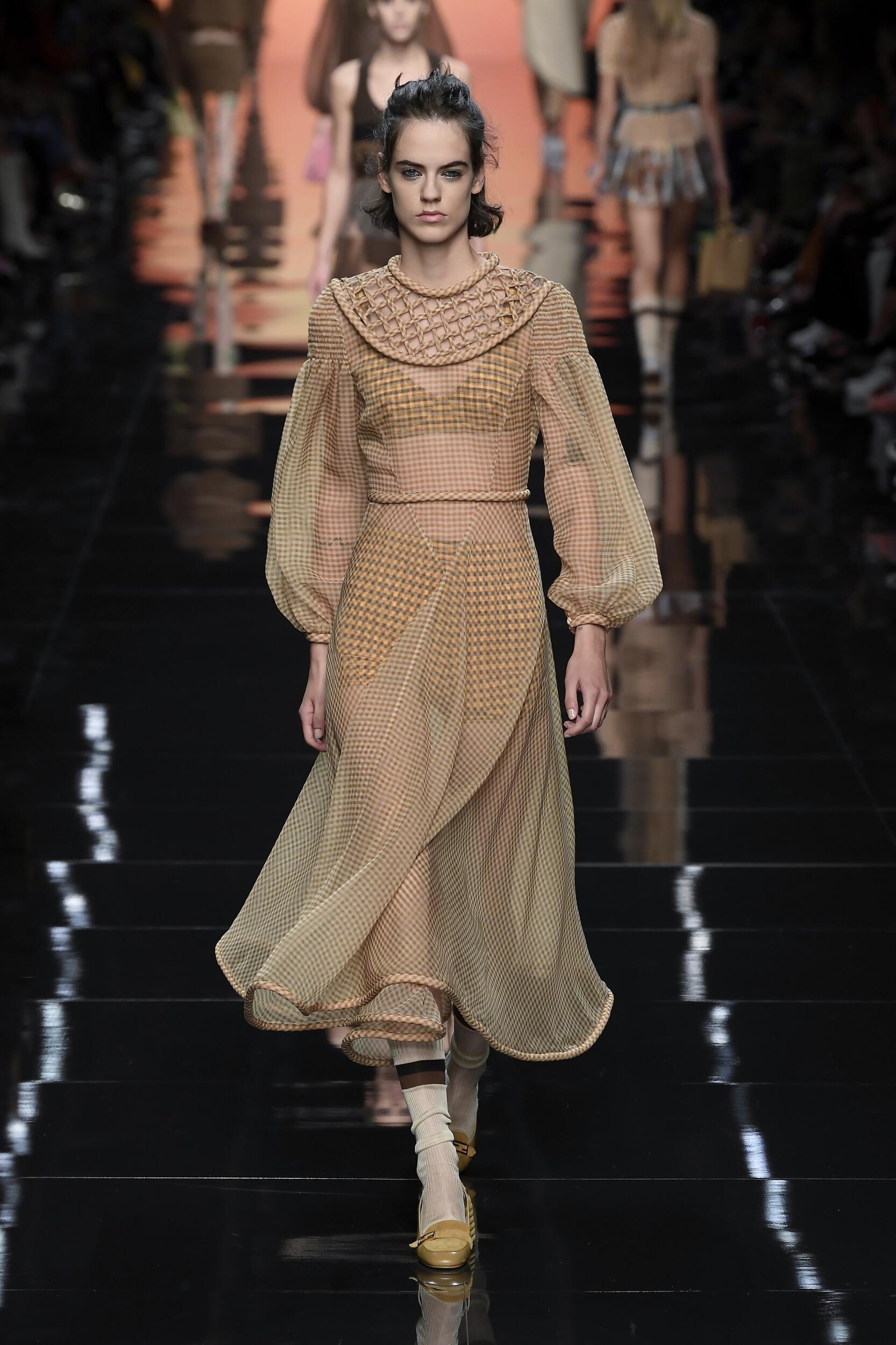 Catwalk Fendi Woman Fashion Show Summer 2020