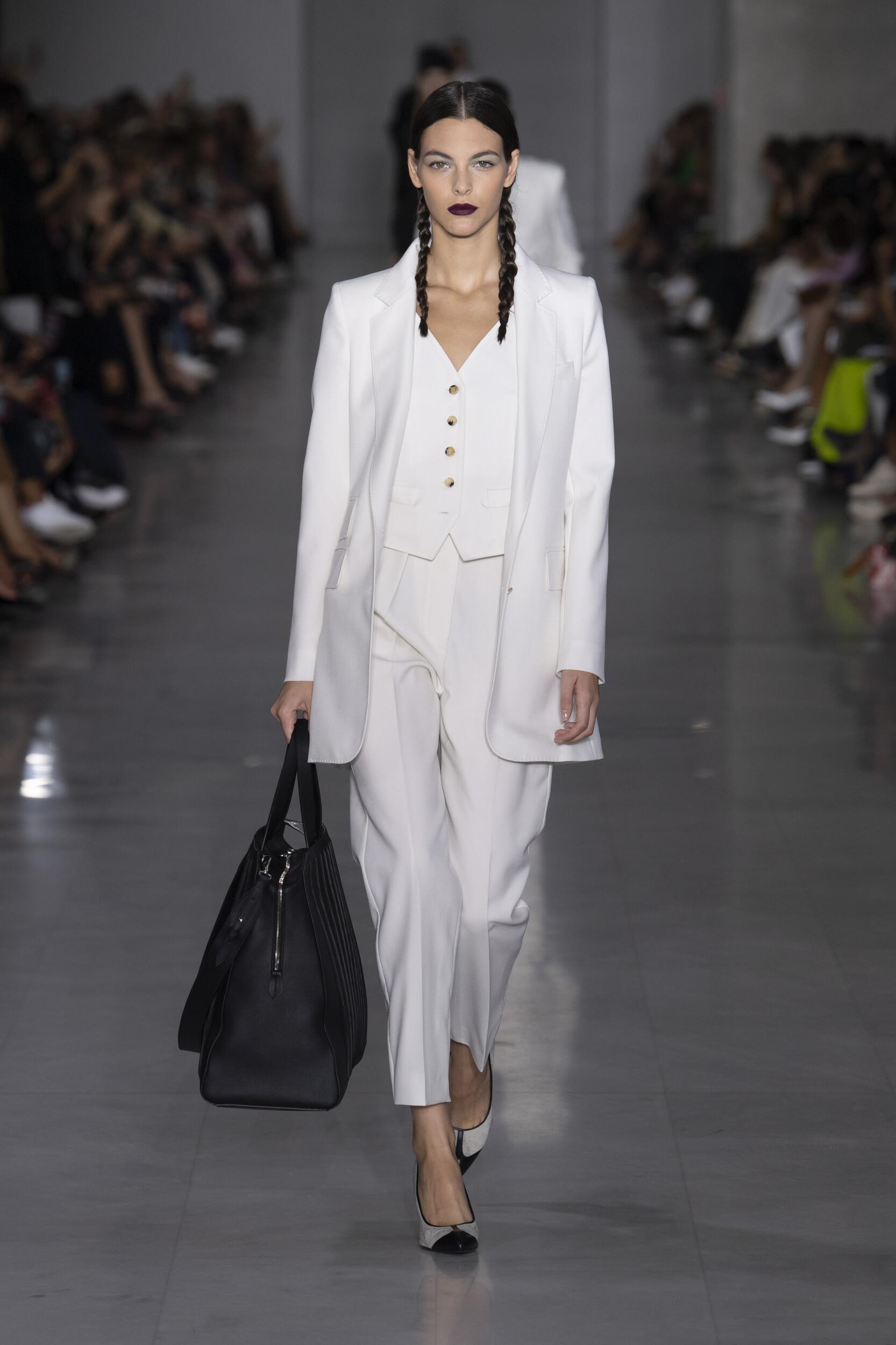 Catwalk Max Mara Woman Fashion Show Summer 2020