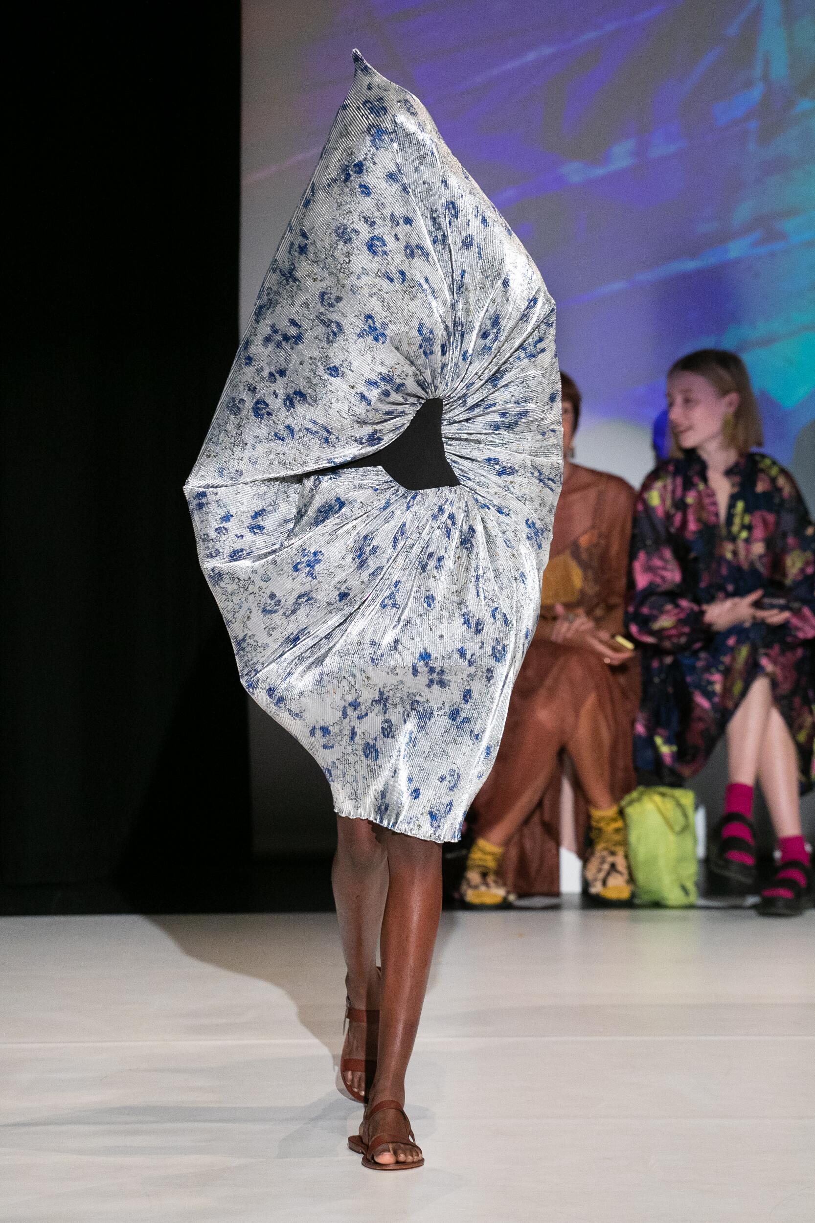 Chalayan Fashion Show SS 2020