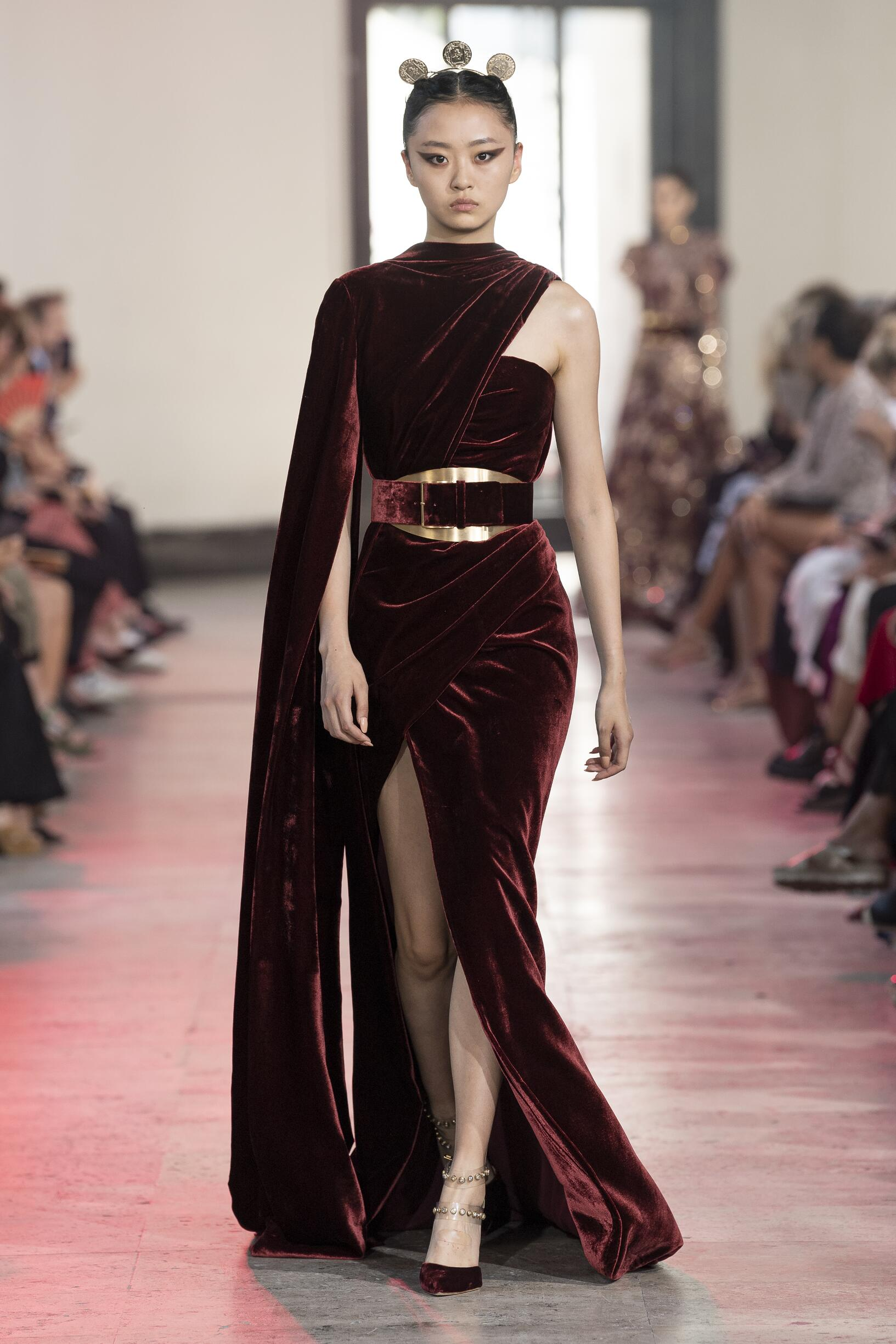 Elie Saab Haute Couture Fall 2019-2020 Catwalk