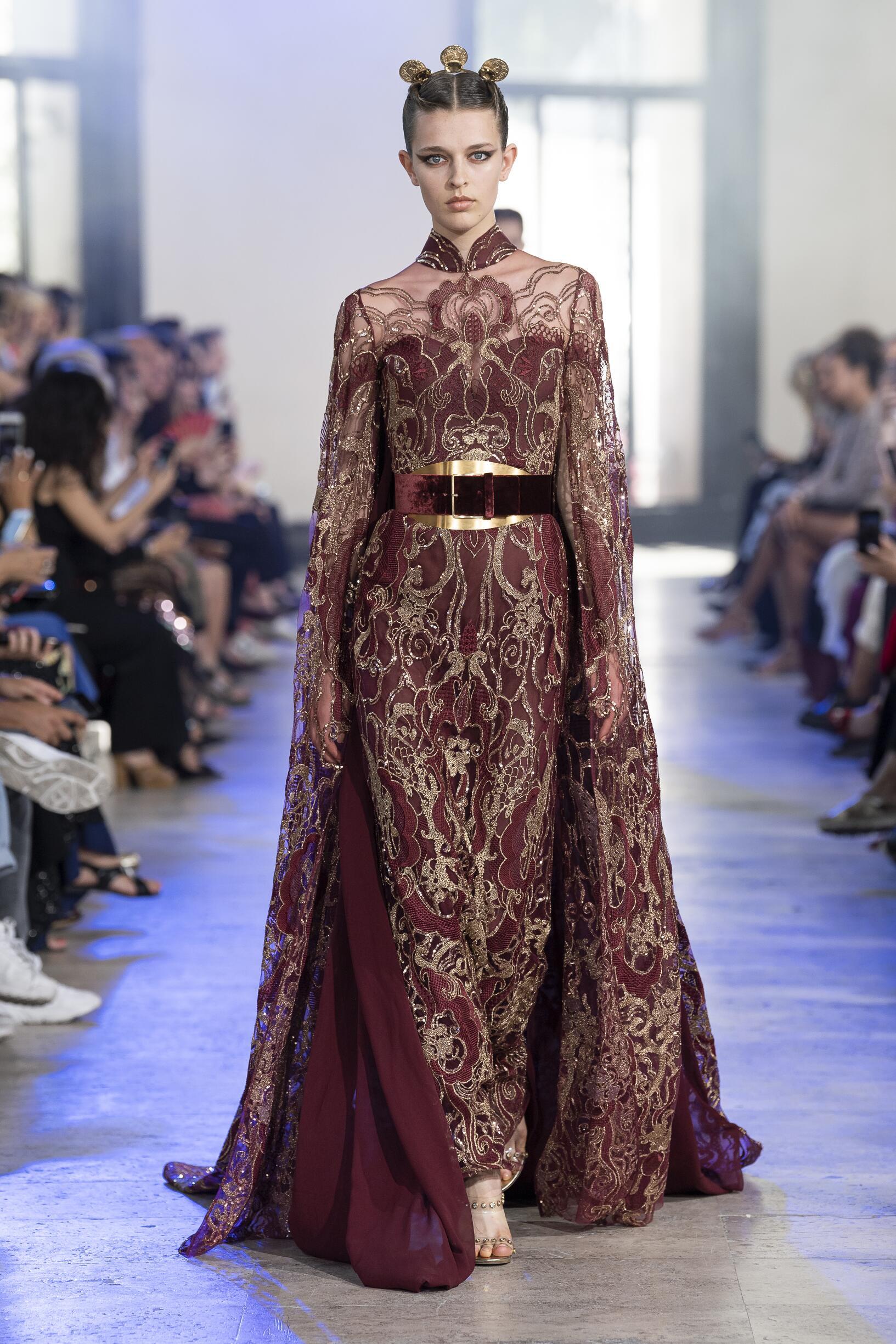 Elie Saab Haute Couture Winter 2019-2020 Catwalk