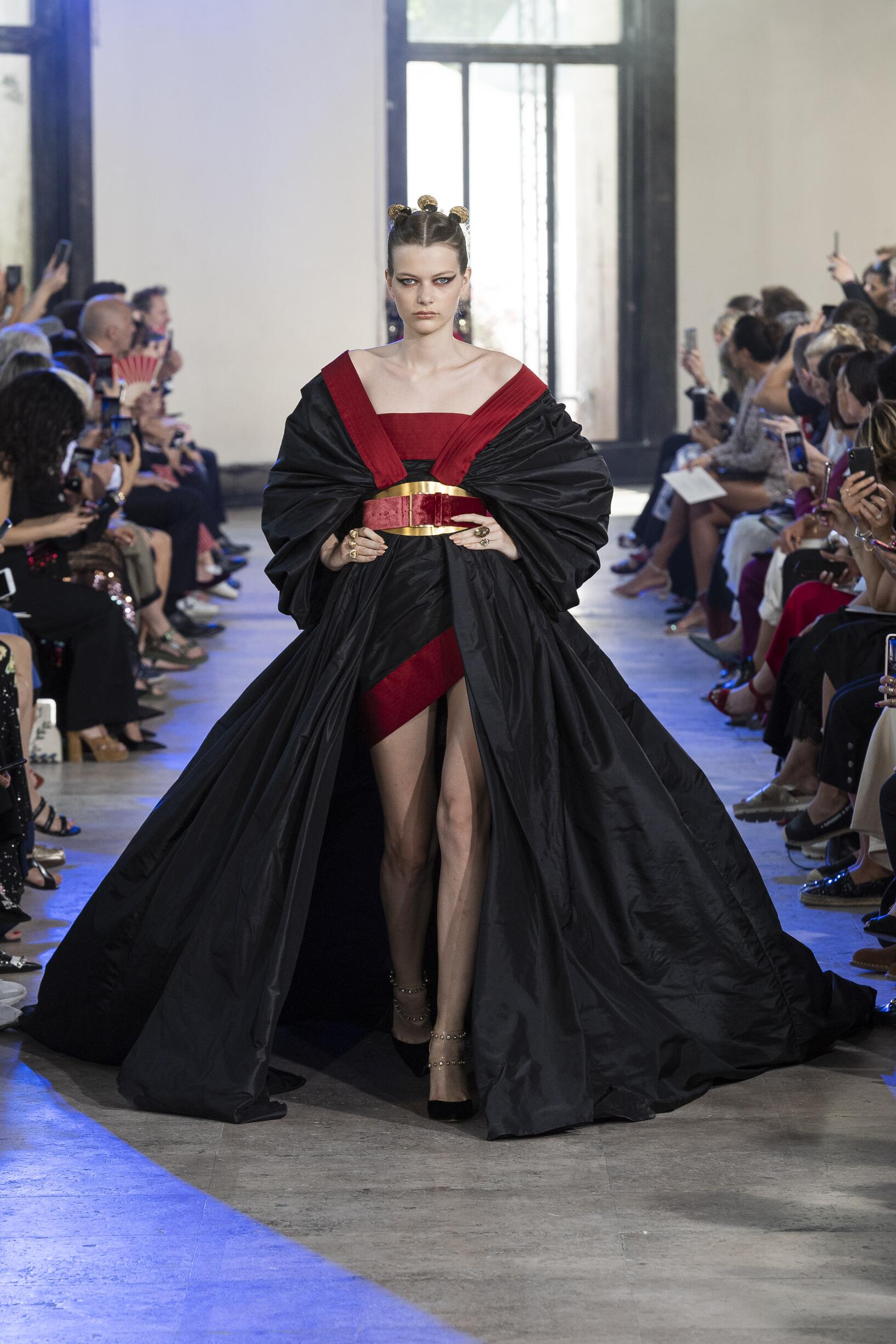 FW 2019-20 Fashion Show Elie Saab Haute Couture
