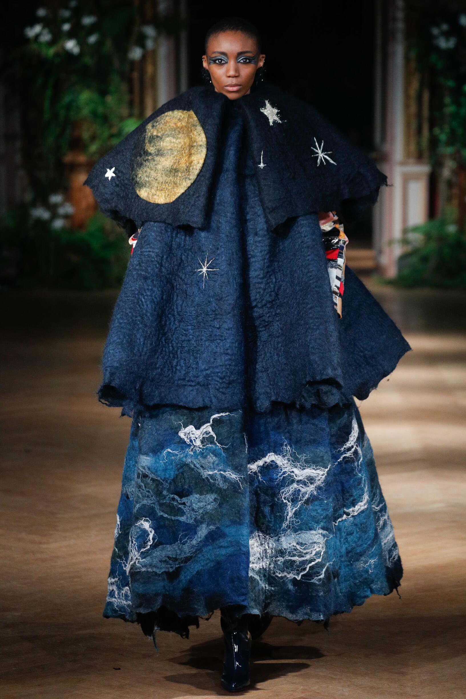FW 2019-20 Fashion Show Viktor & Rolf Haute Couture