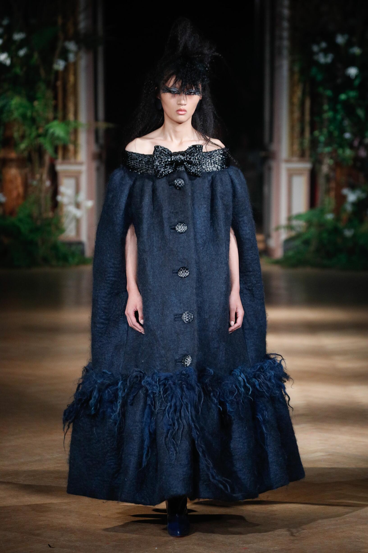 Fall 2019-20 Womenswear Viktor & Rolf Haute Couture