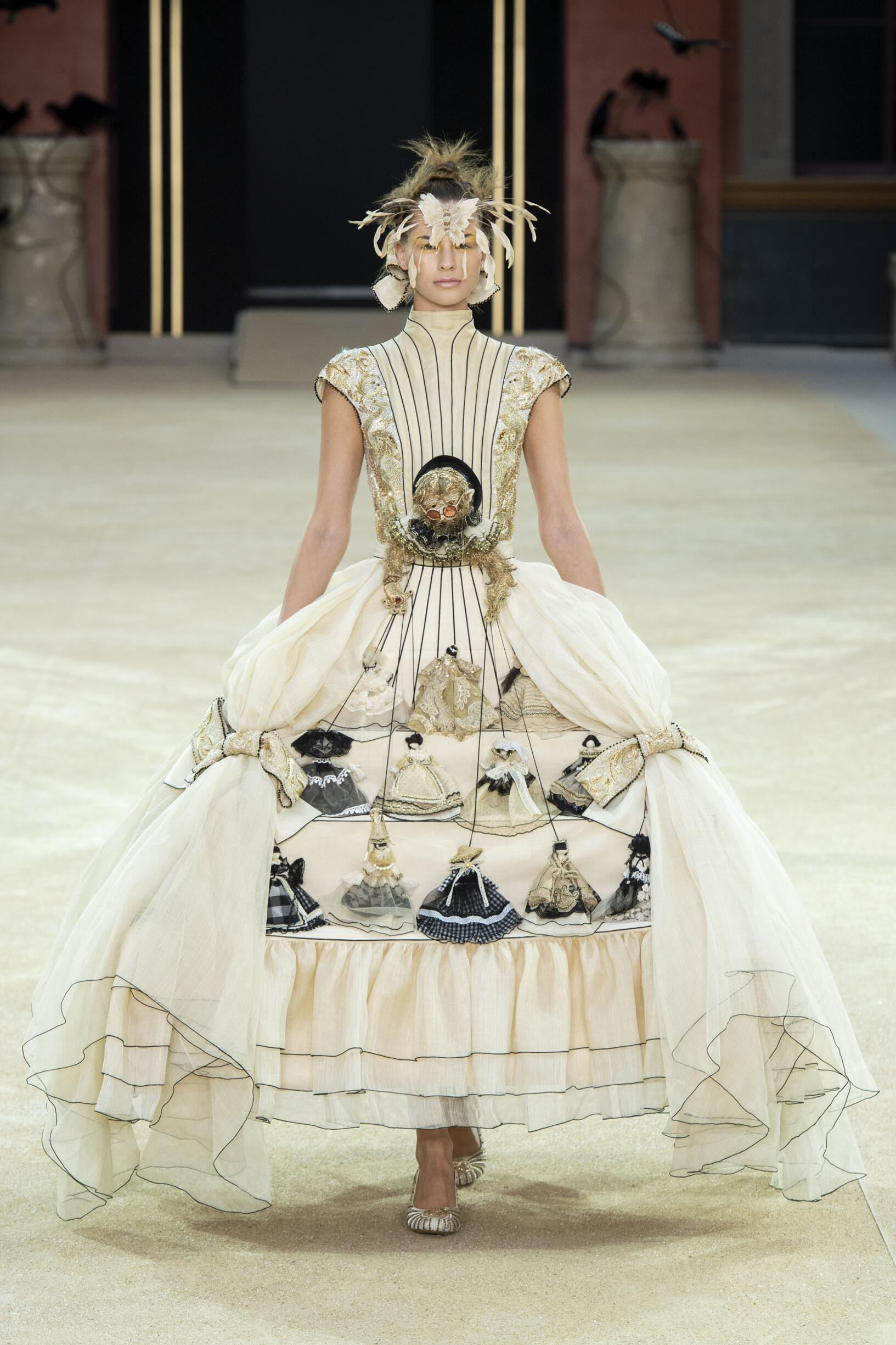 Fall 2019 Fashion Trends Guo Pei Haute Couture