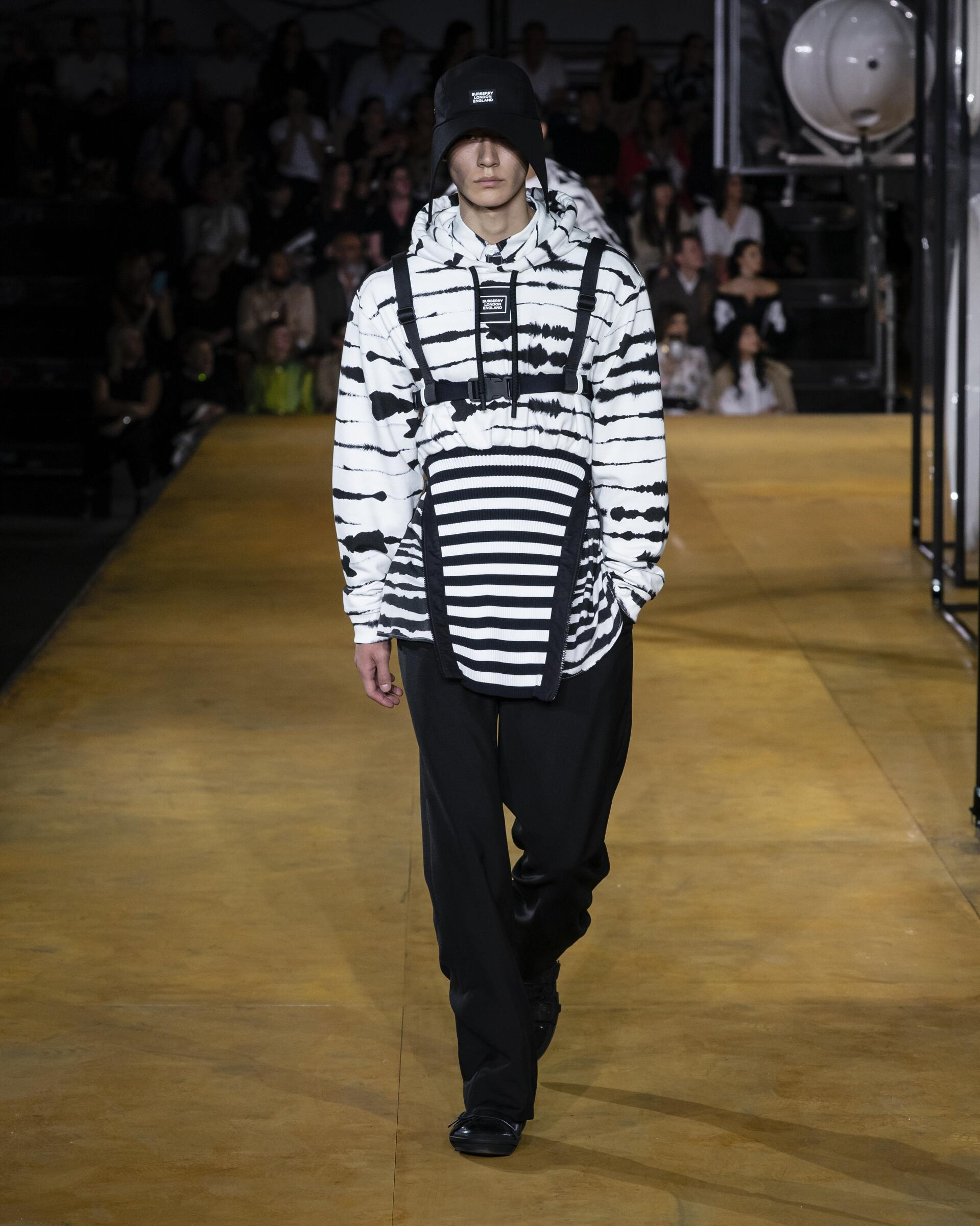 Fashion 2020 Catwalk Burberry Summer Mens Collection