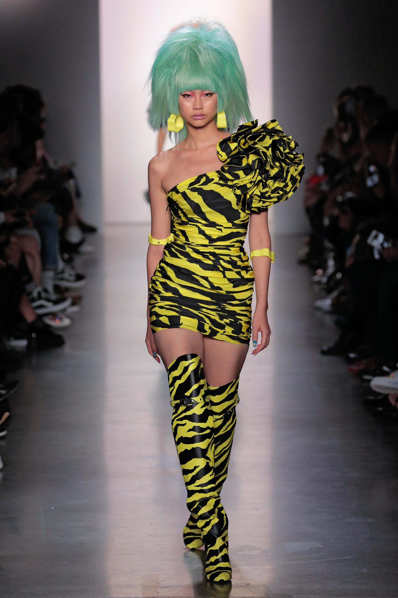Fashion 2020 Catwalk Jeremy Scott Summer