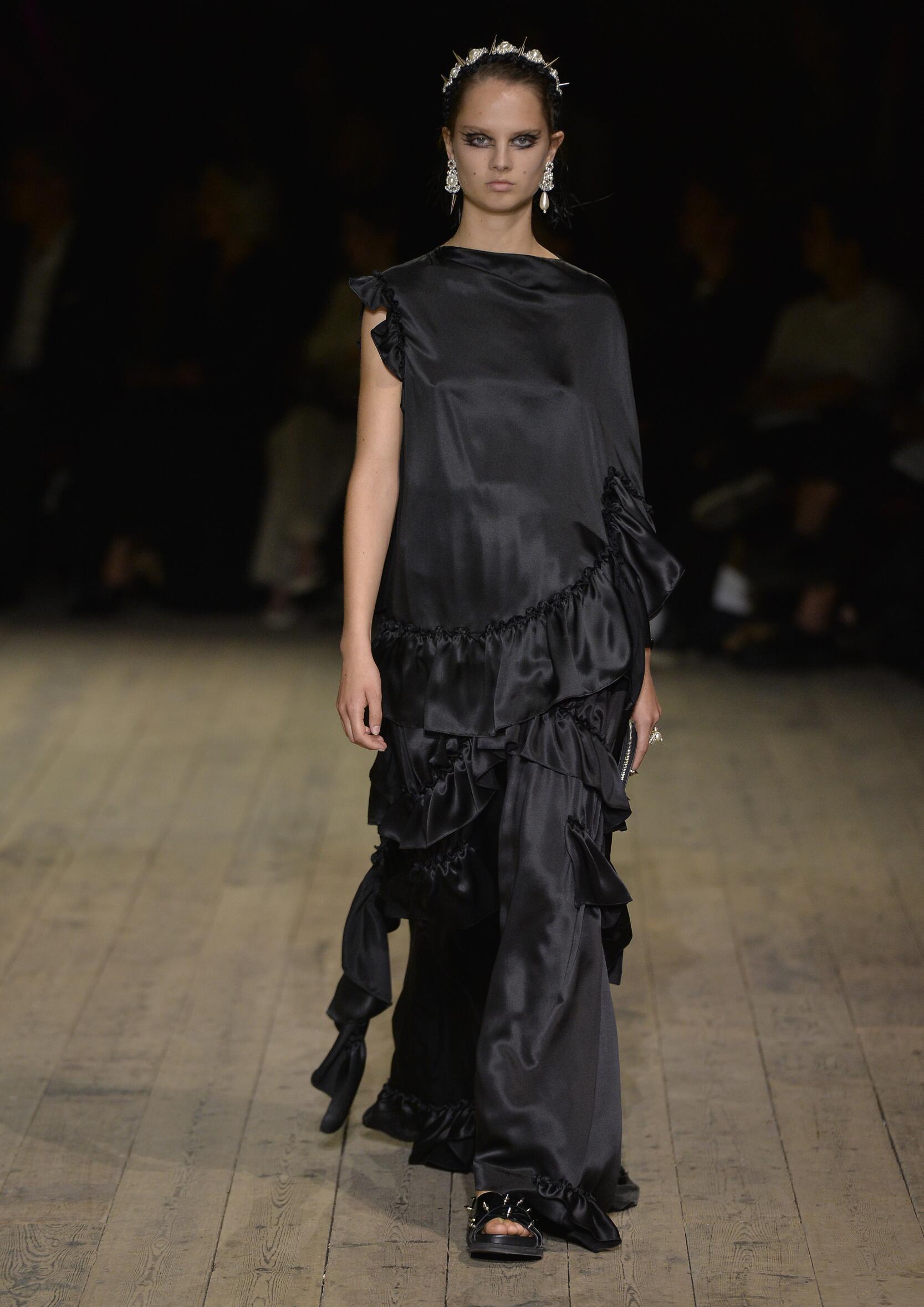 Fashion 2020 Catwalk Simone Rocha Summer