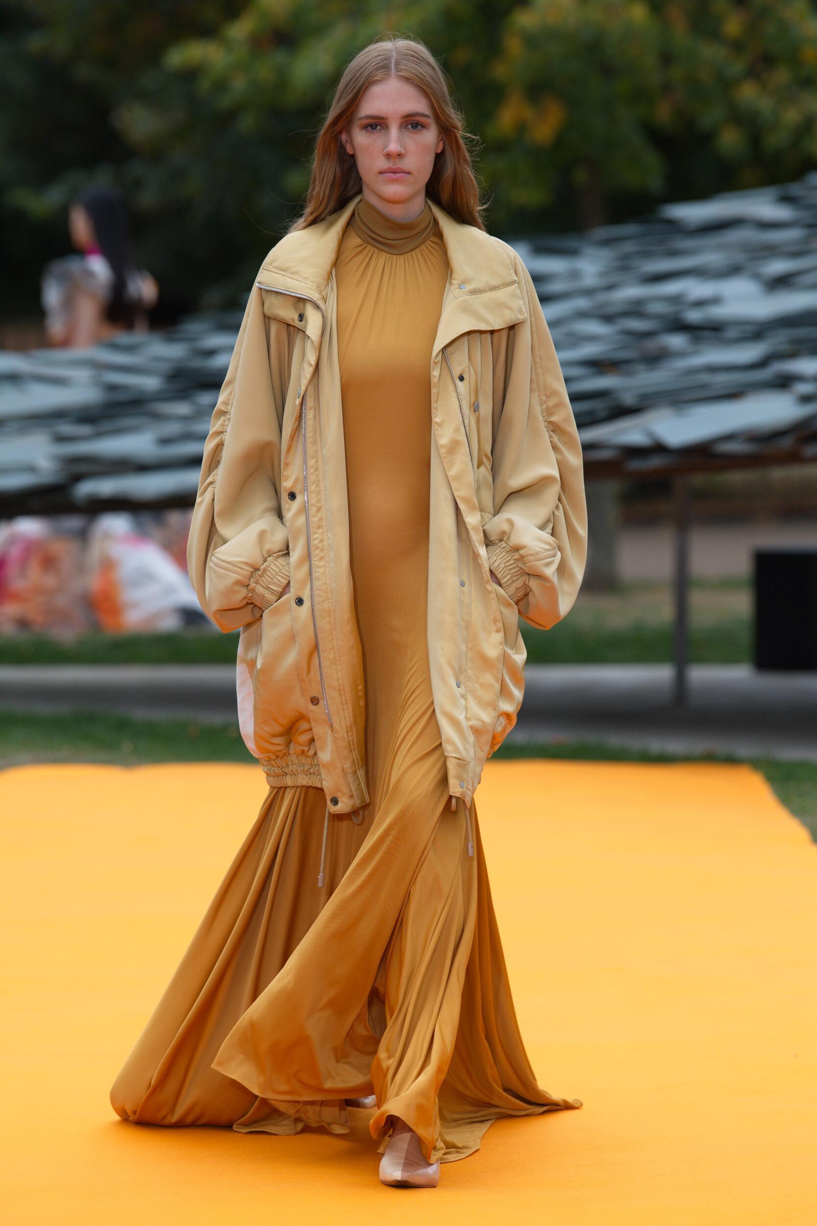 Fashion Model Woman Roksanda Catwalk