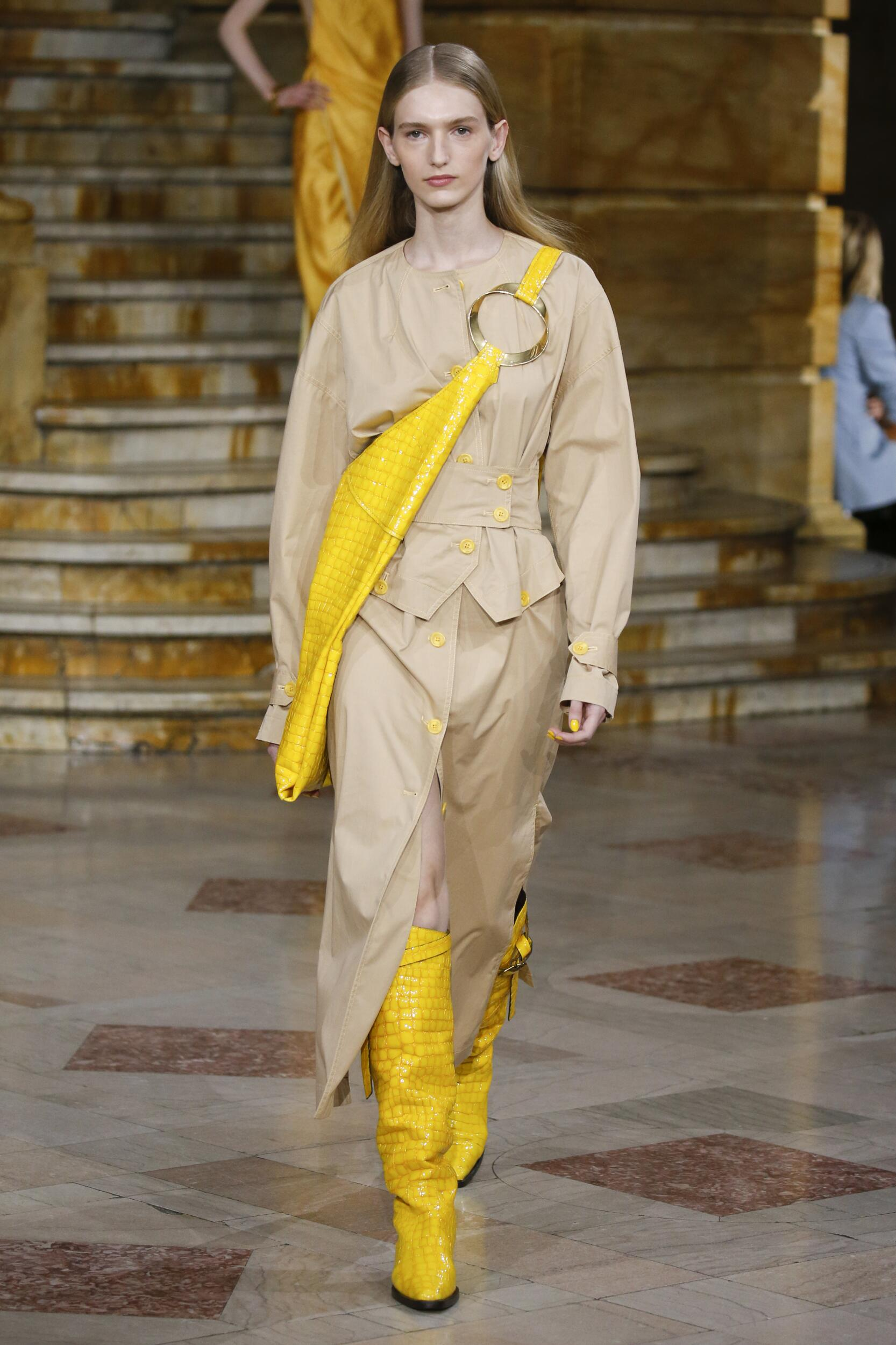 Fashion Model Woman Sies Marjan Catwalk