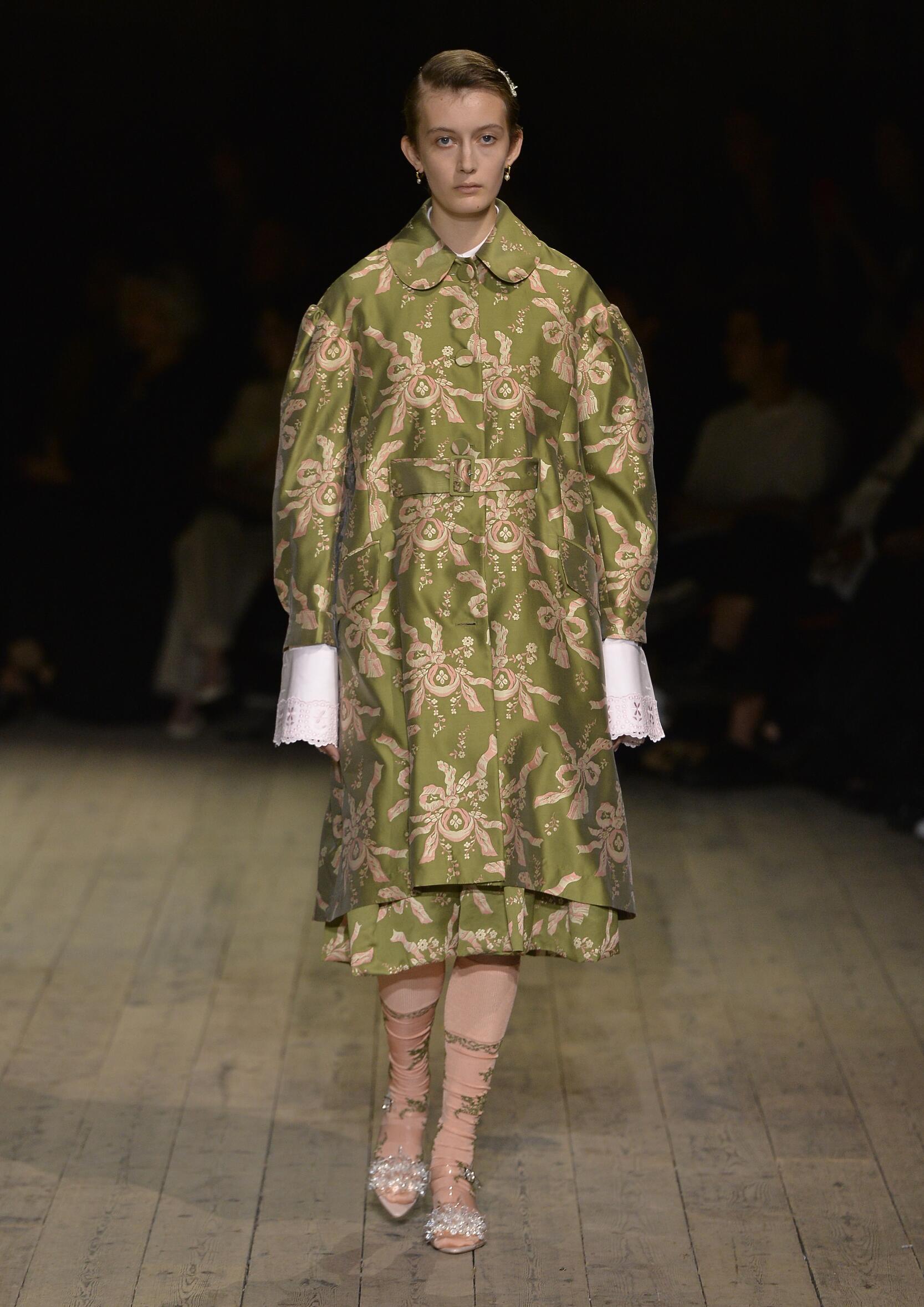 Fashion Model Woman Simone Rocha Catwalk