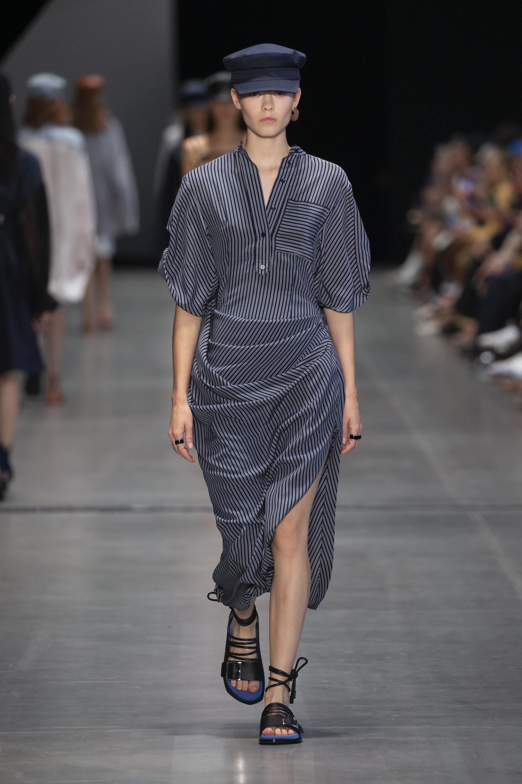 Fashion Model Woman Sportmax Catwalk
