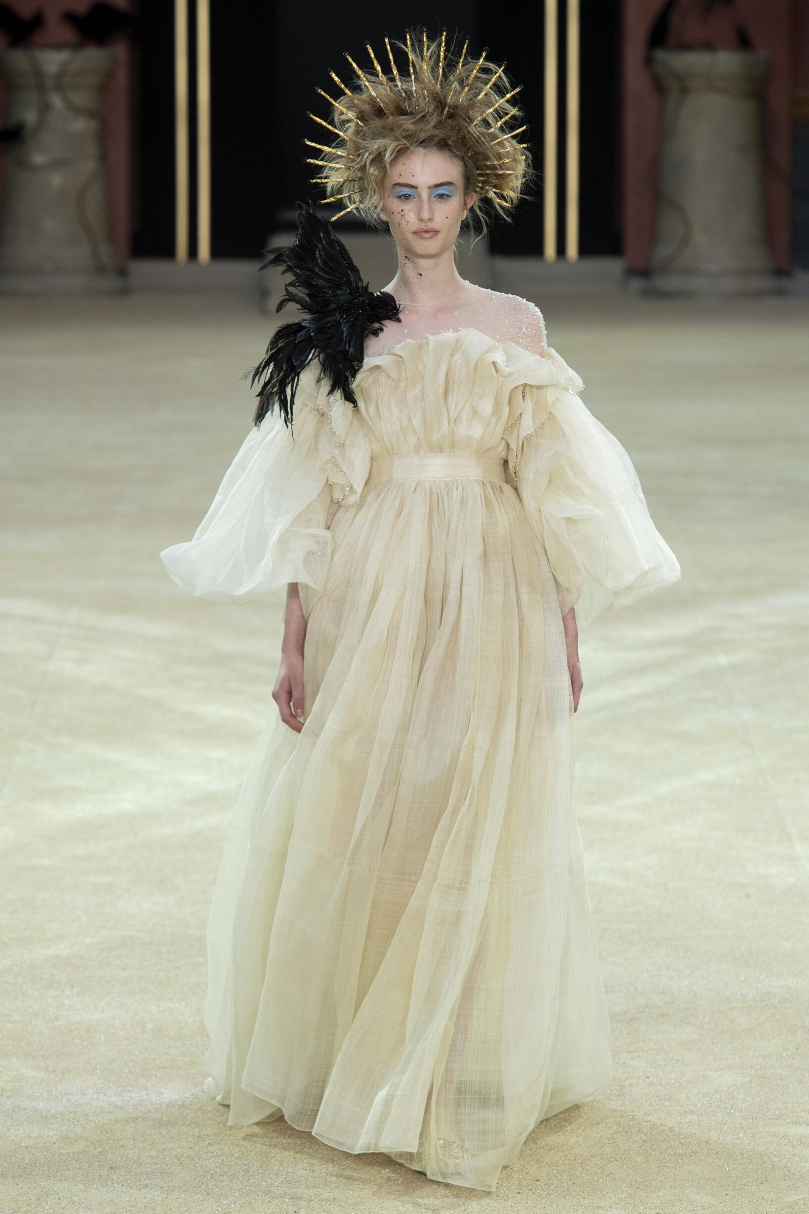 Guo Pei Haute Couture Fall Winter 2019-20 Womens Collection Paris