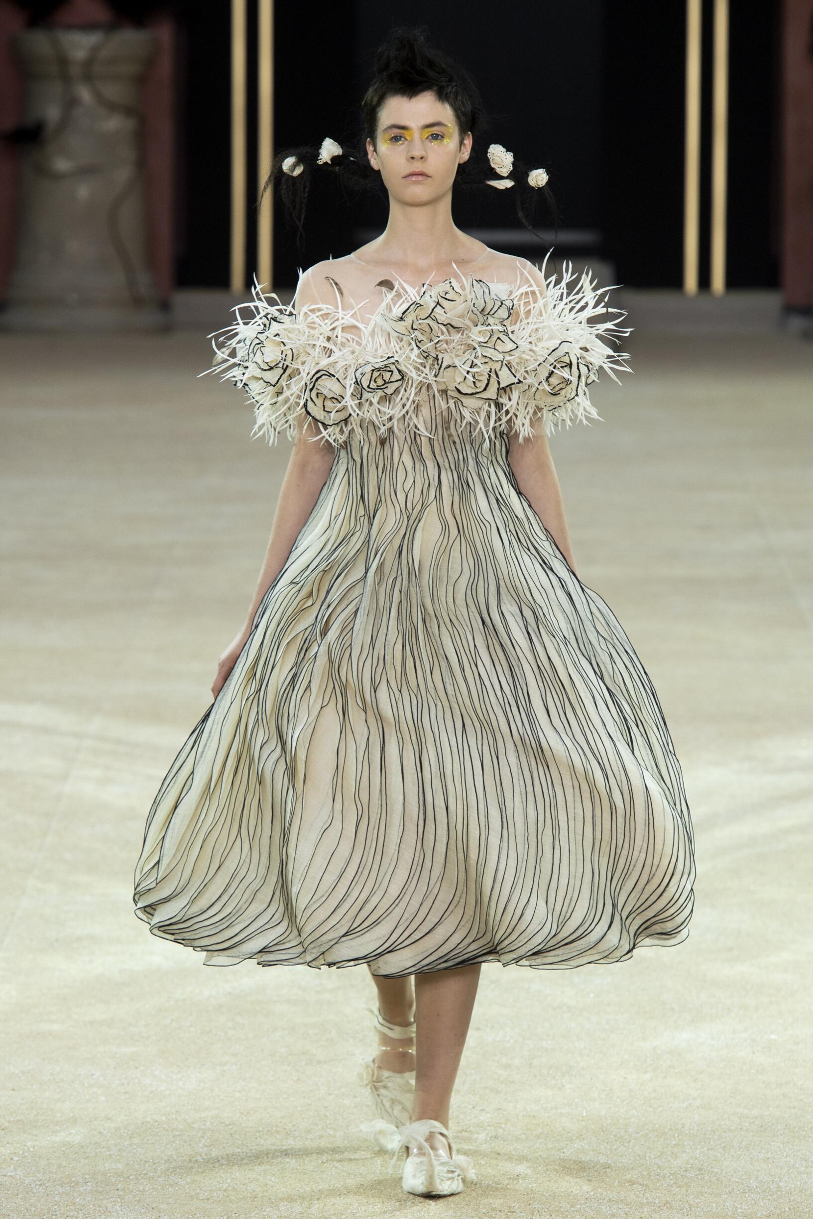 Guo Pei Haute Couture Paris